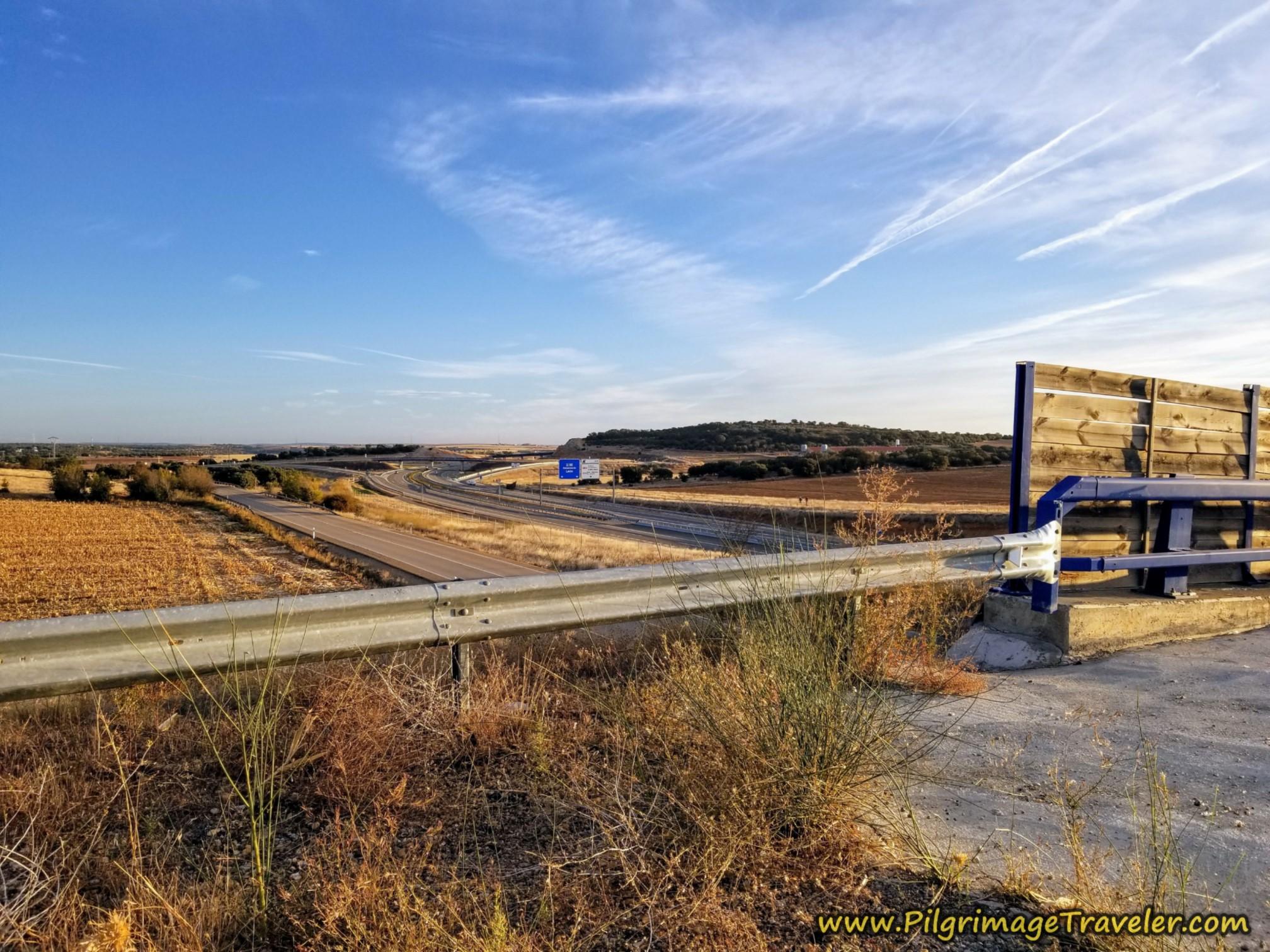 Cross the A-66 on Overpass on the Vía de la Plata from Montamarta to Granja de Moreruela