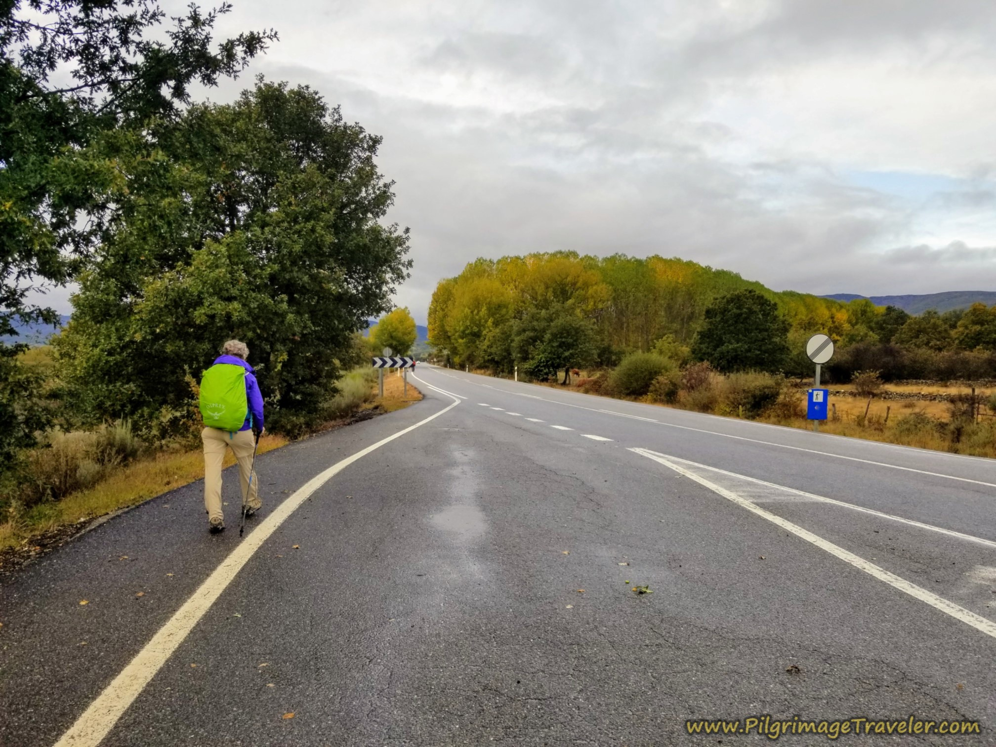 Back on the N-525 on the Camino Sanabrés from Puebla de Sanabria to Lubián