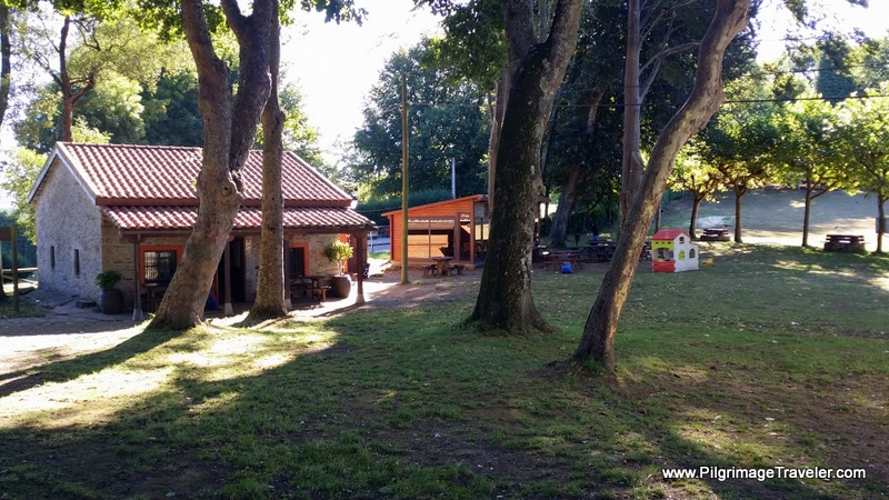 Café Bar La Casina in San Roque With Picnic Grounds on the Camino Primitivo
