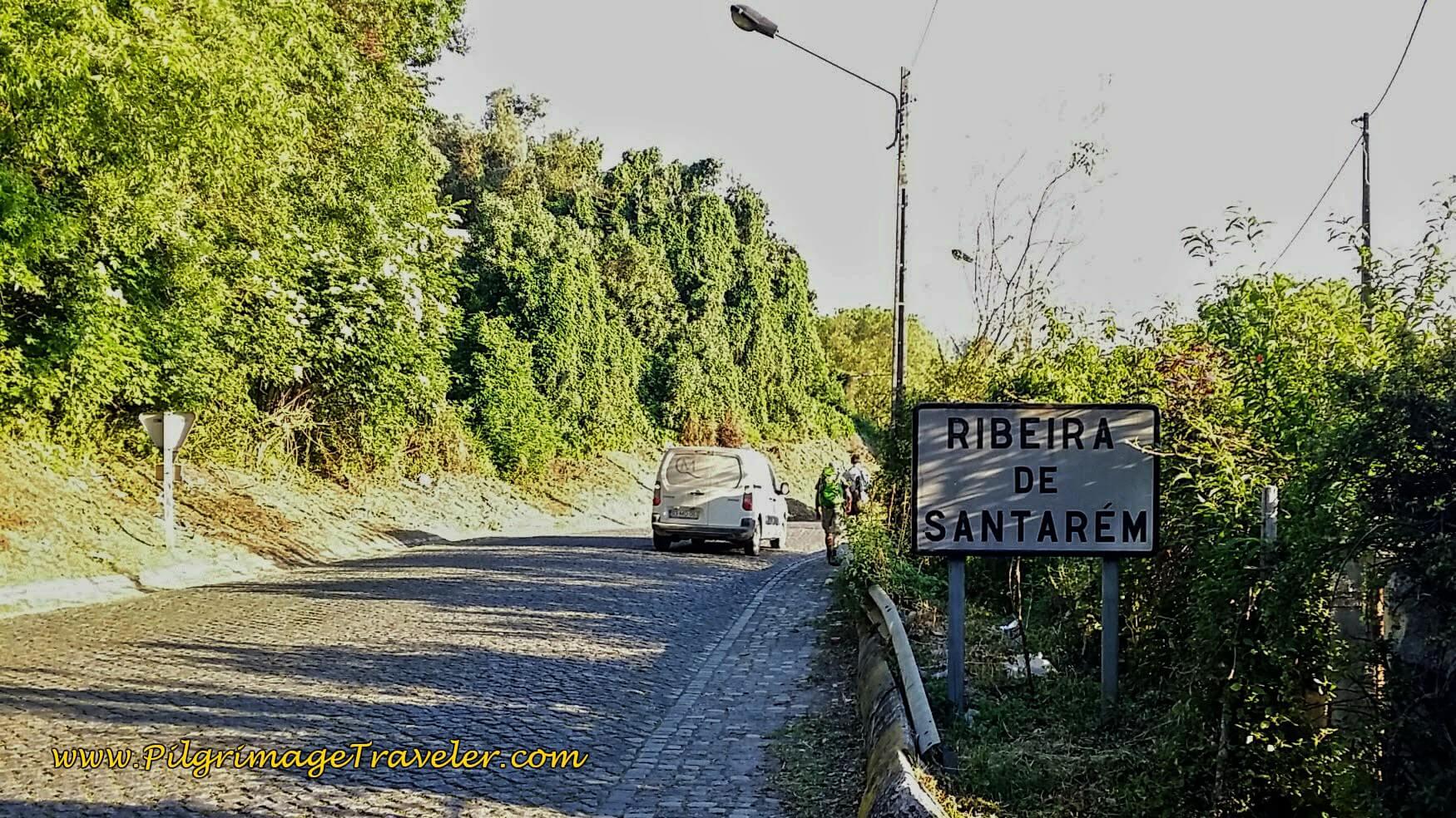 Walking the N365 into Ribeira de Santarém on the Portuguese Way.