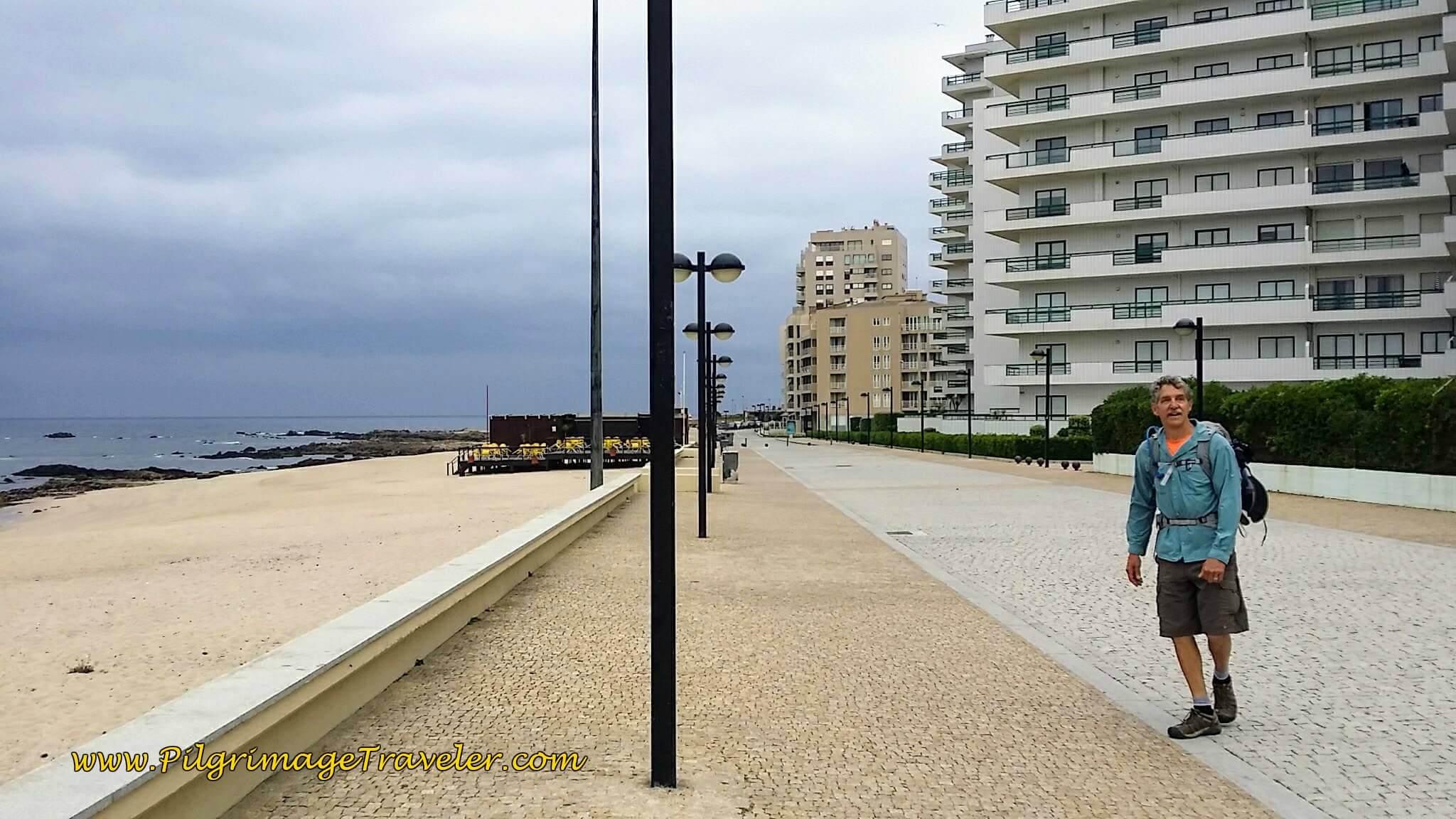 Rich on the Avenida dos Pescadores at the Praia Lagoa on day sixteen of the Camino Portugués on the Coastal Route