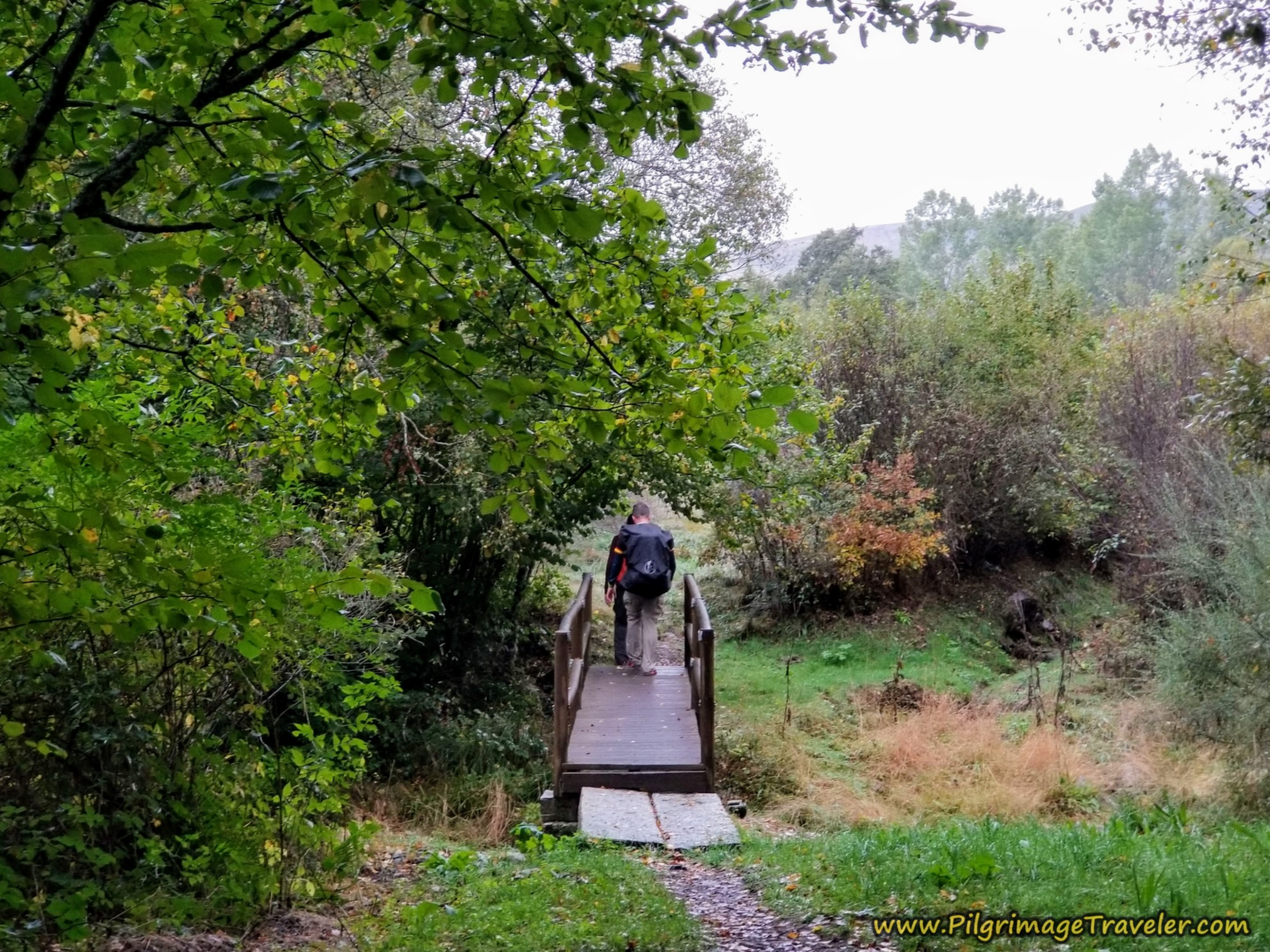 Crossing the Arroyo de la Tuiza on the Camino Sanabrés from Lubián to A Gudiña