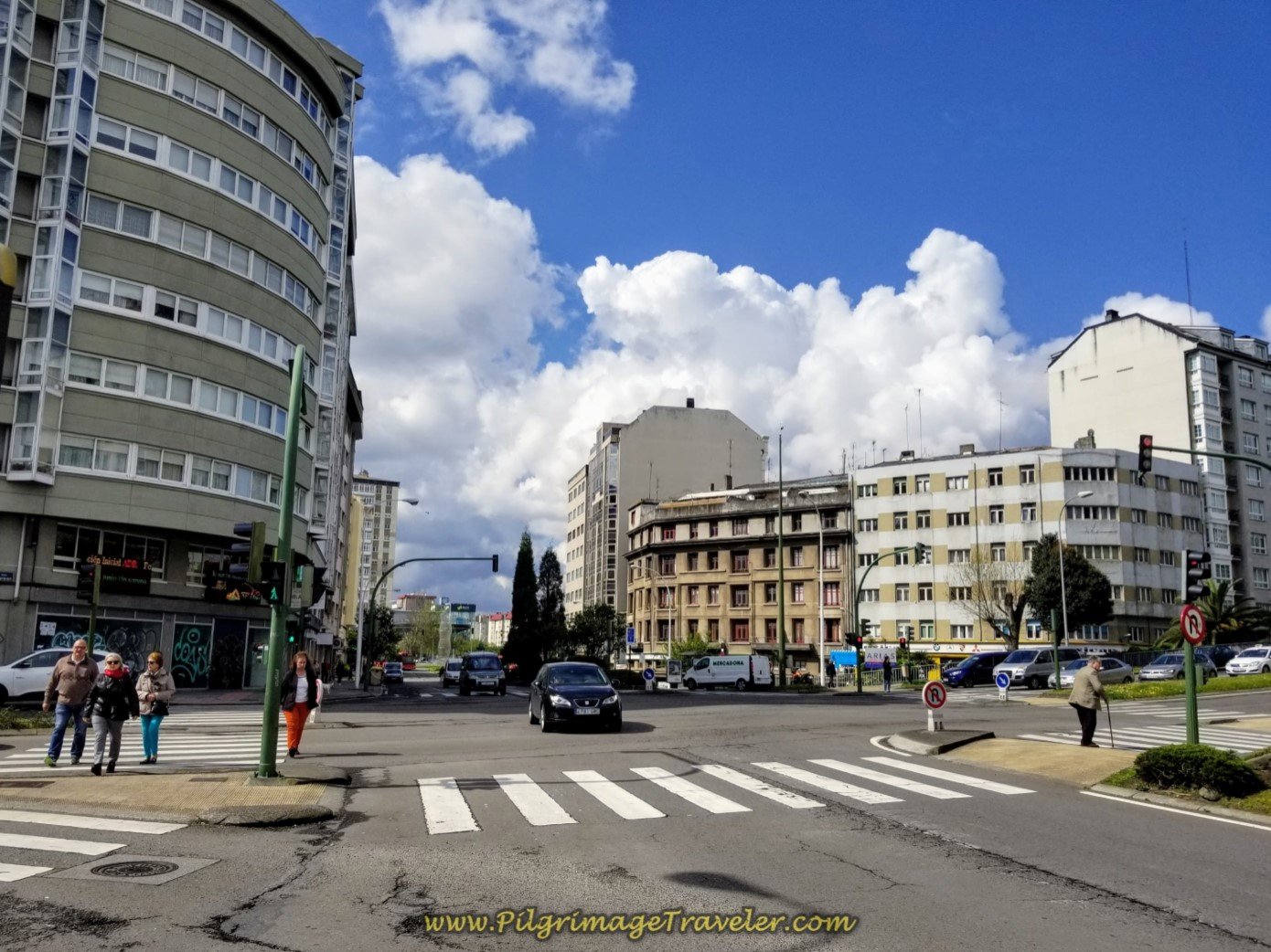 Stay On the Av. Alcalde Pérez Arda Through  Intersection, in La Coruña on day one of the La Coruña Arm of the Camino Inglés