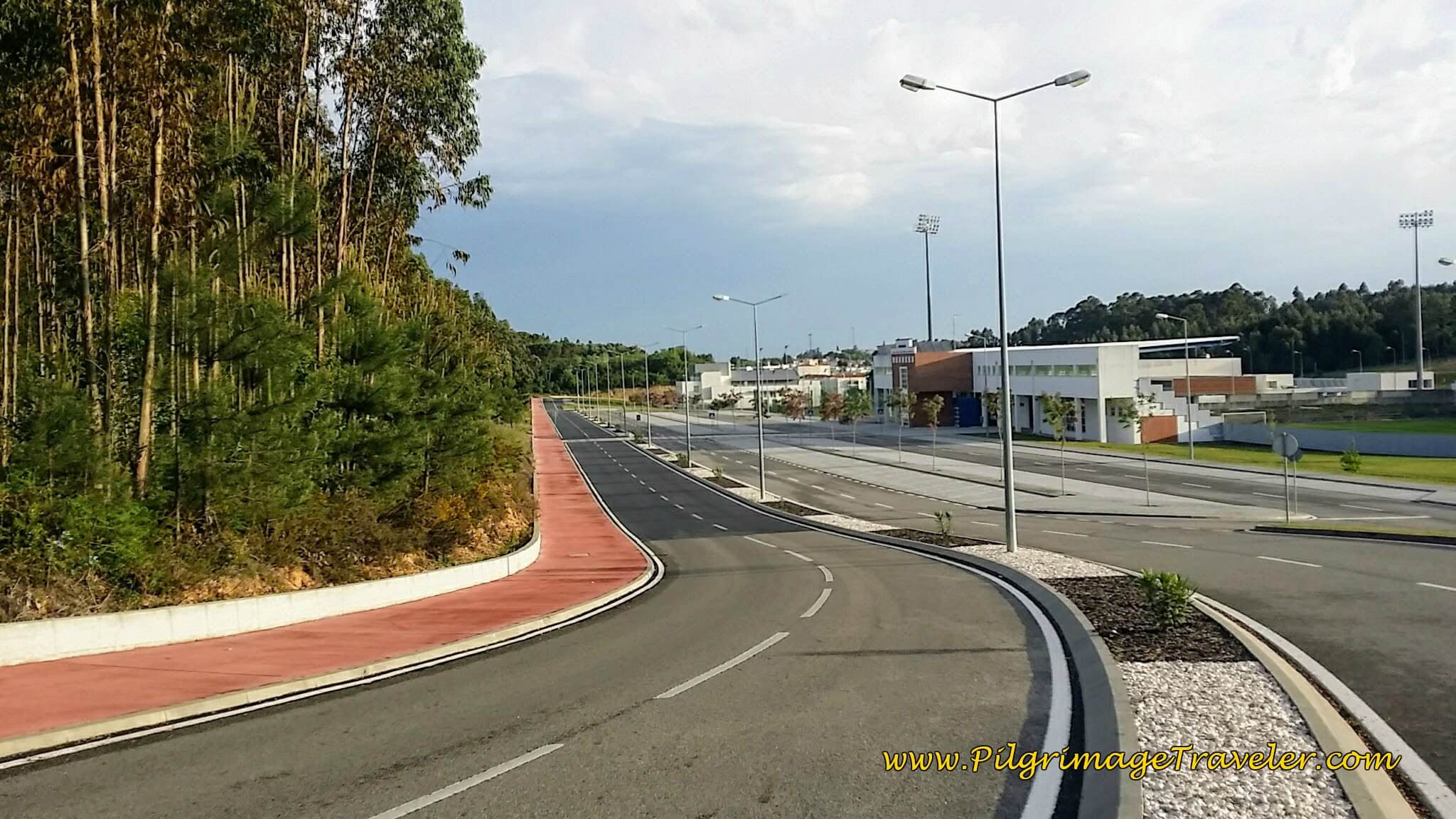 Around the Sports Complex of Anadia to the West on the Camino Portugués