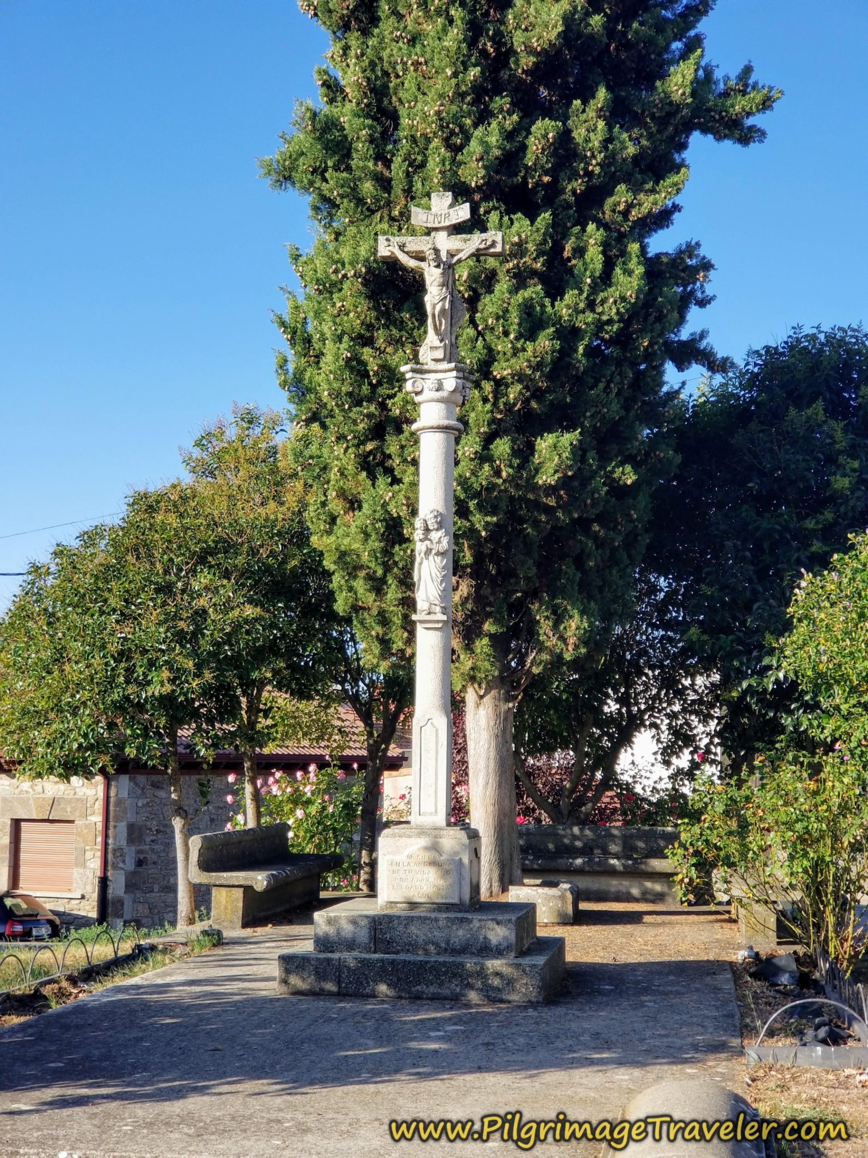 Cross Iglesia de Nuestra Señora de la Asunción