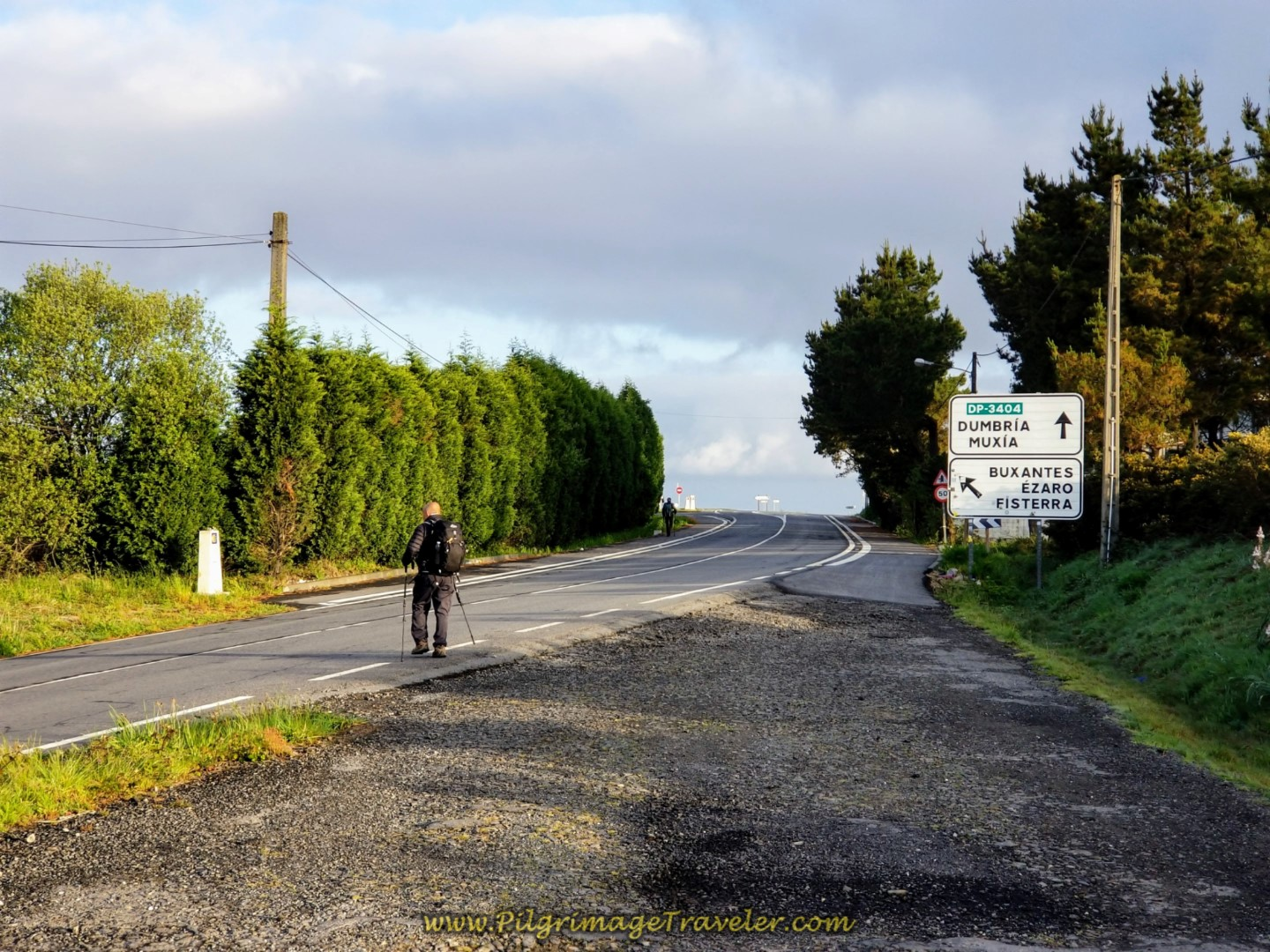 Back on the DP-3404 ~ Camino Bifurcation Just Ahead