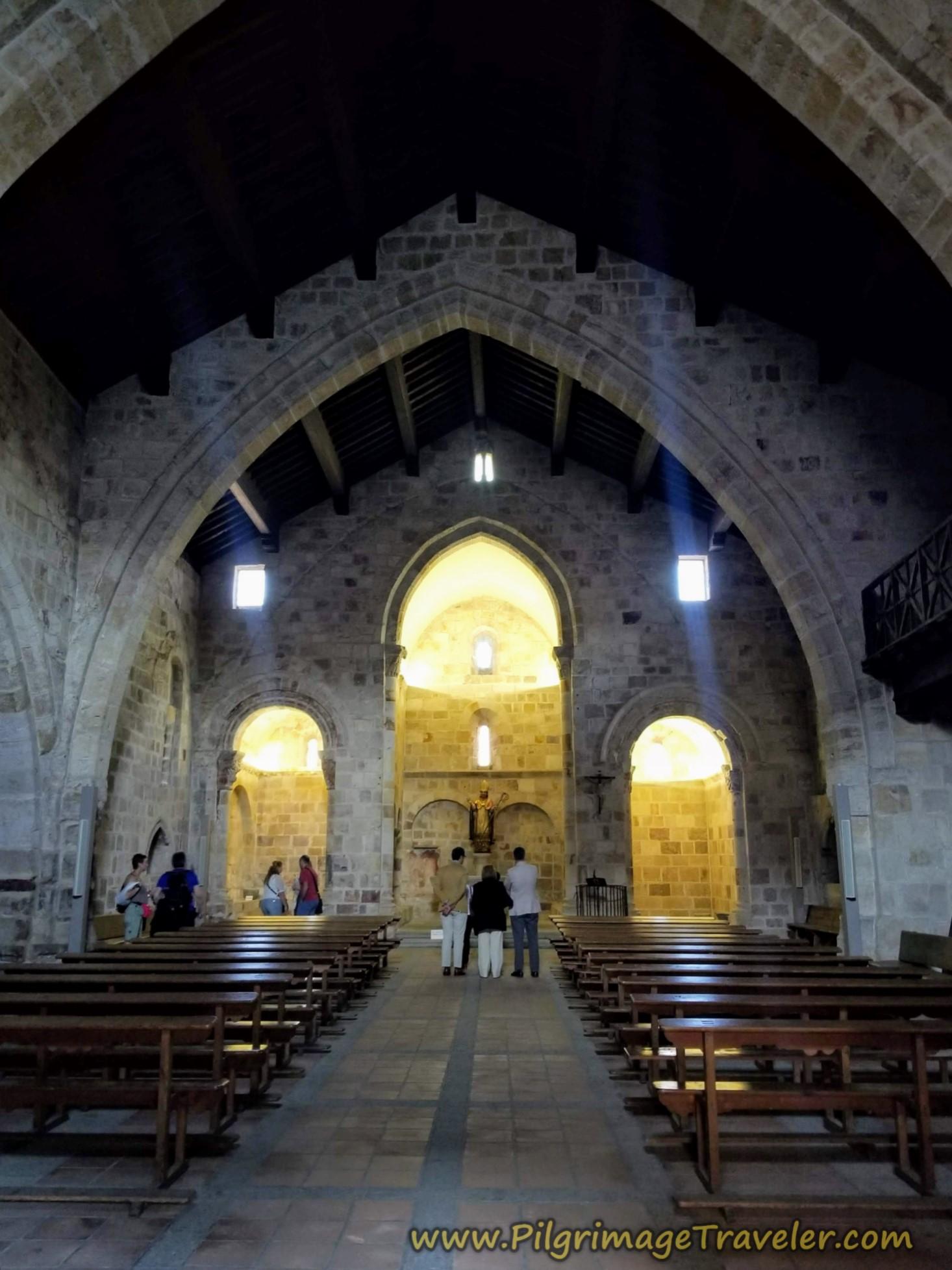 Simple Altar of the Iglesia de San Cipriano