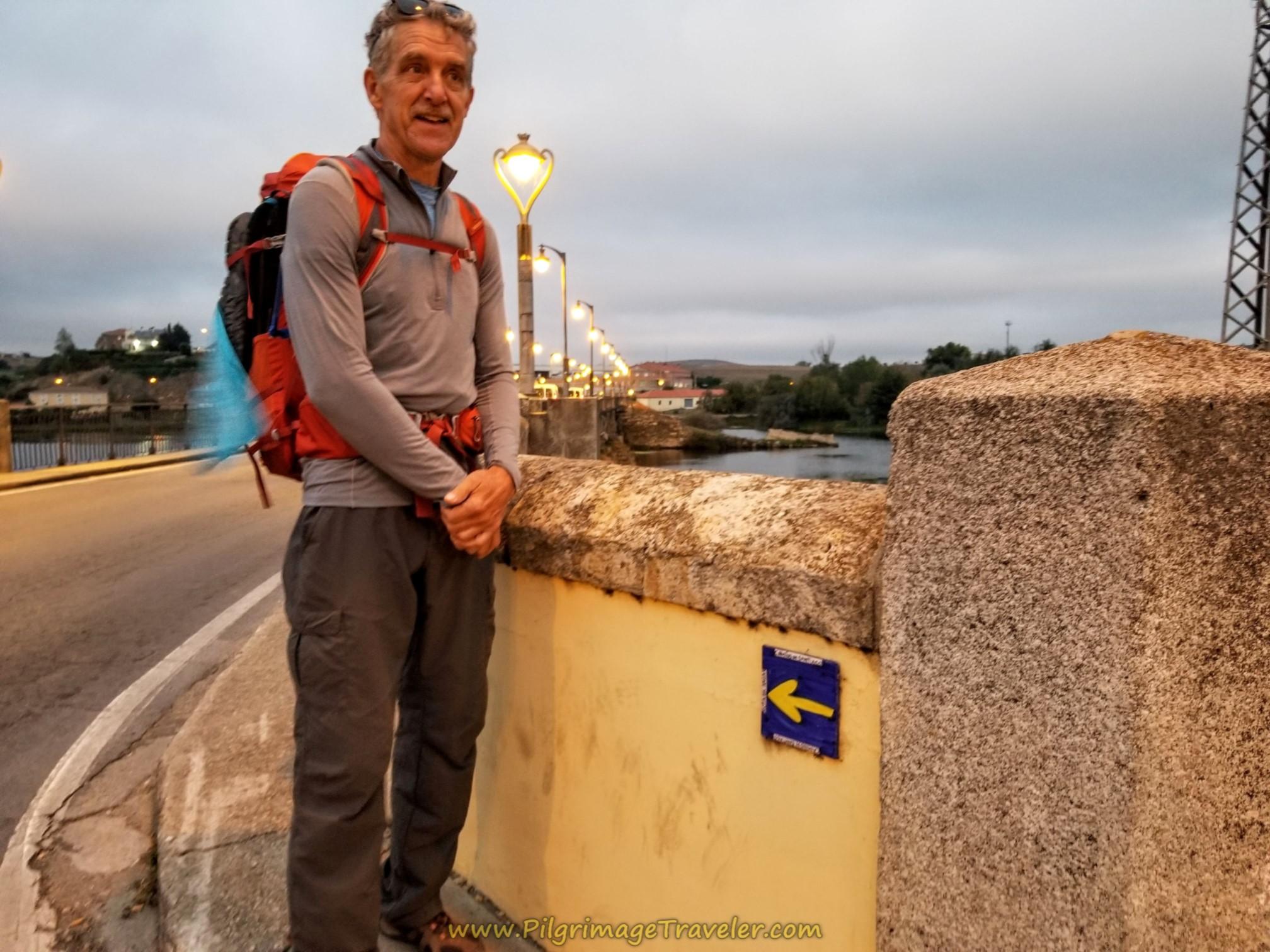 Leaving Alba de Tormes at the Bridge