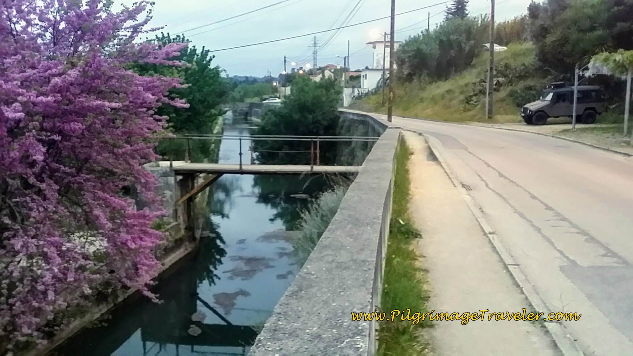 Following the Canal on the Rua Ponte da Vala on the Portuguese Way