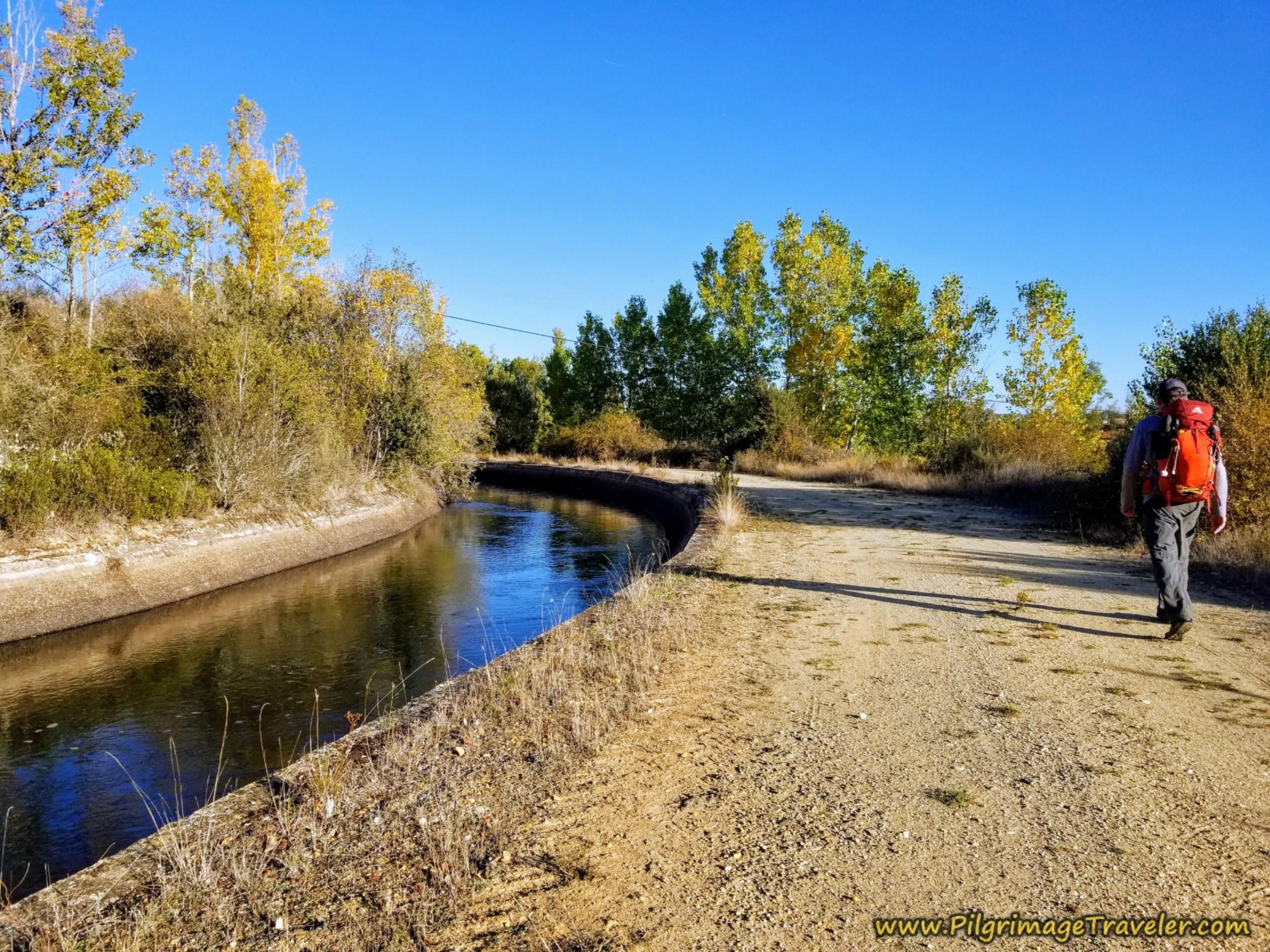 Following the Canal Margen Derecho del Tera on the Camino Sanabrés from Santa Marta de Tera to Rionegro del Puente