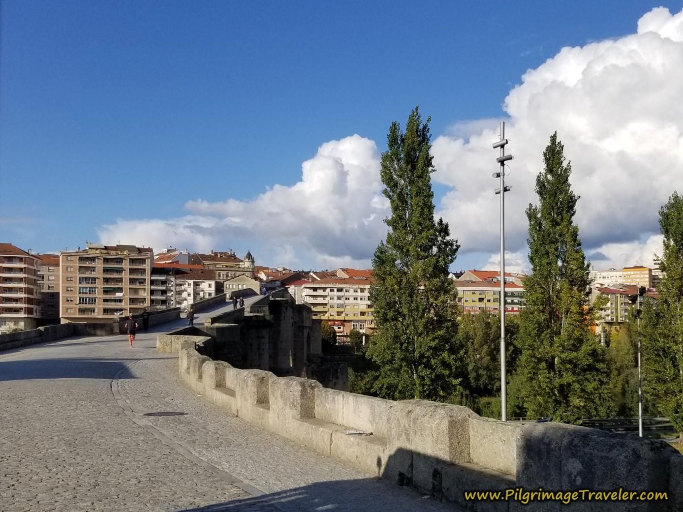Across the Ponte de Romana de Ourense