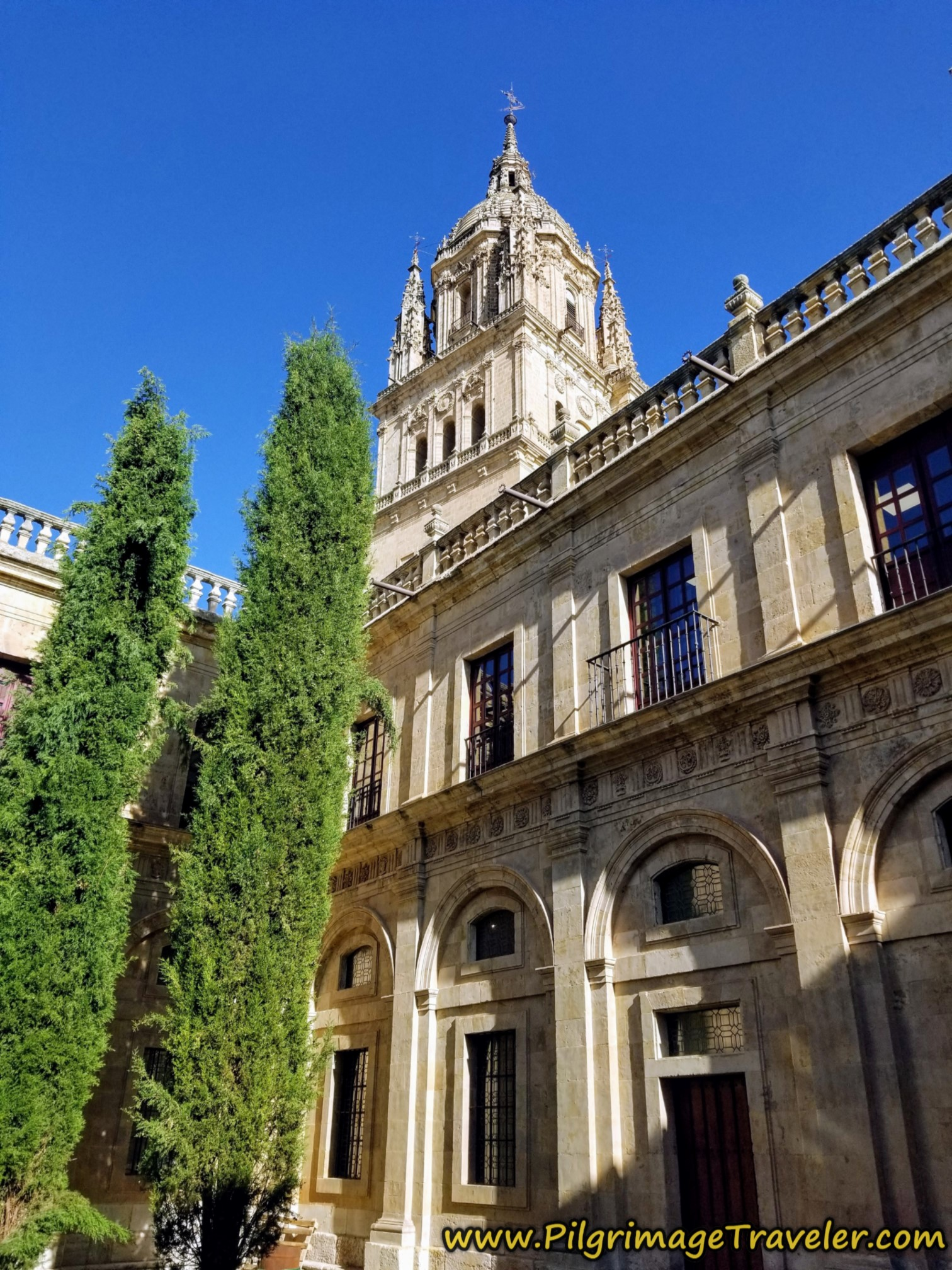 Cloister, Old Cathedral of Salamanca, view of Ieronimos Tower