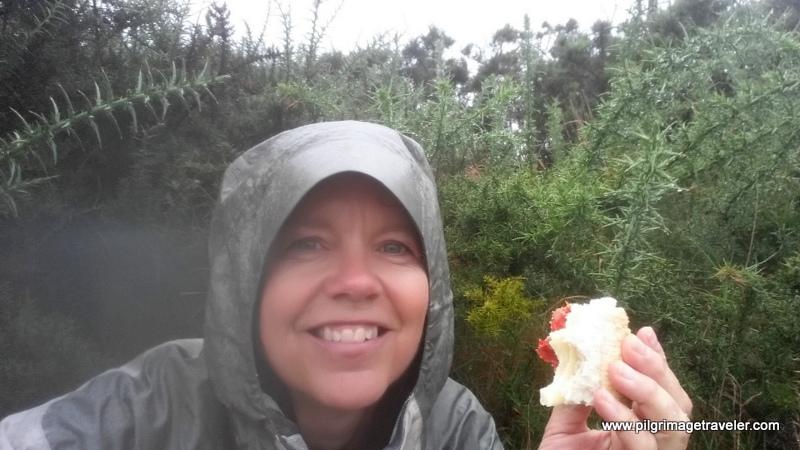 Elle Bieling eating Lunch at Monte Pedroso