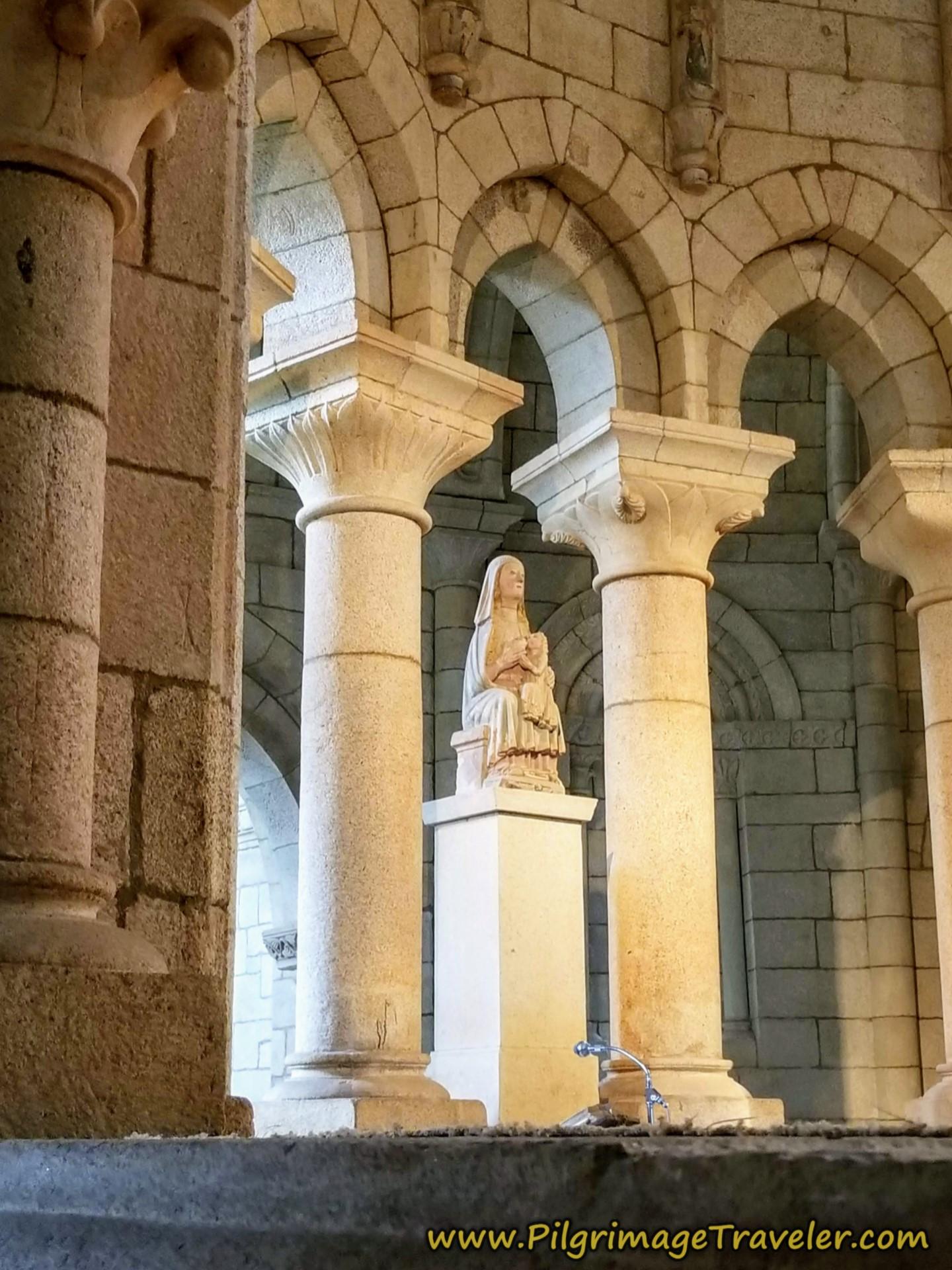 Altar, Virgen de la Leche, Mosteiro de Oseira, Camino Sanabrés, Cea to Estación de Lalín