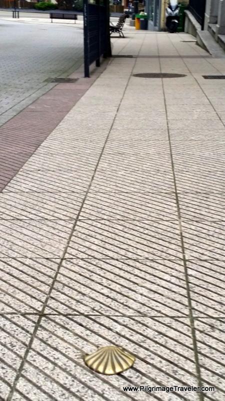 Bronze Shell Waymark in Oviedo, Spain