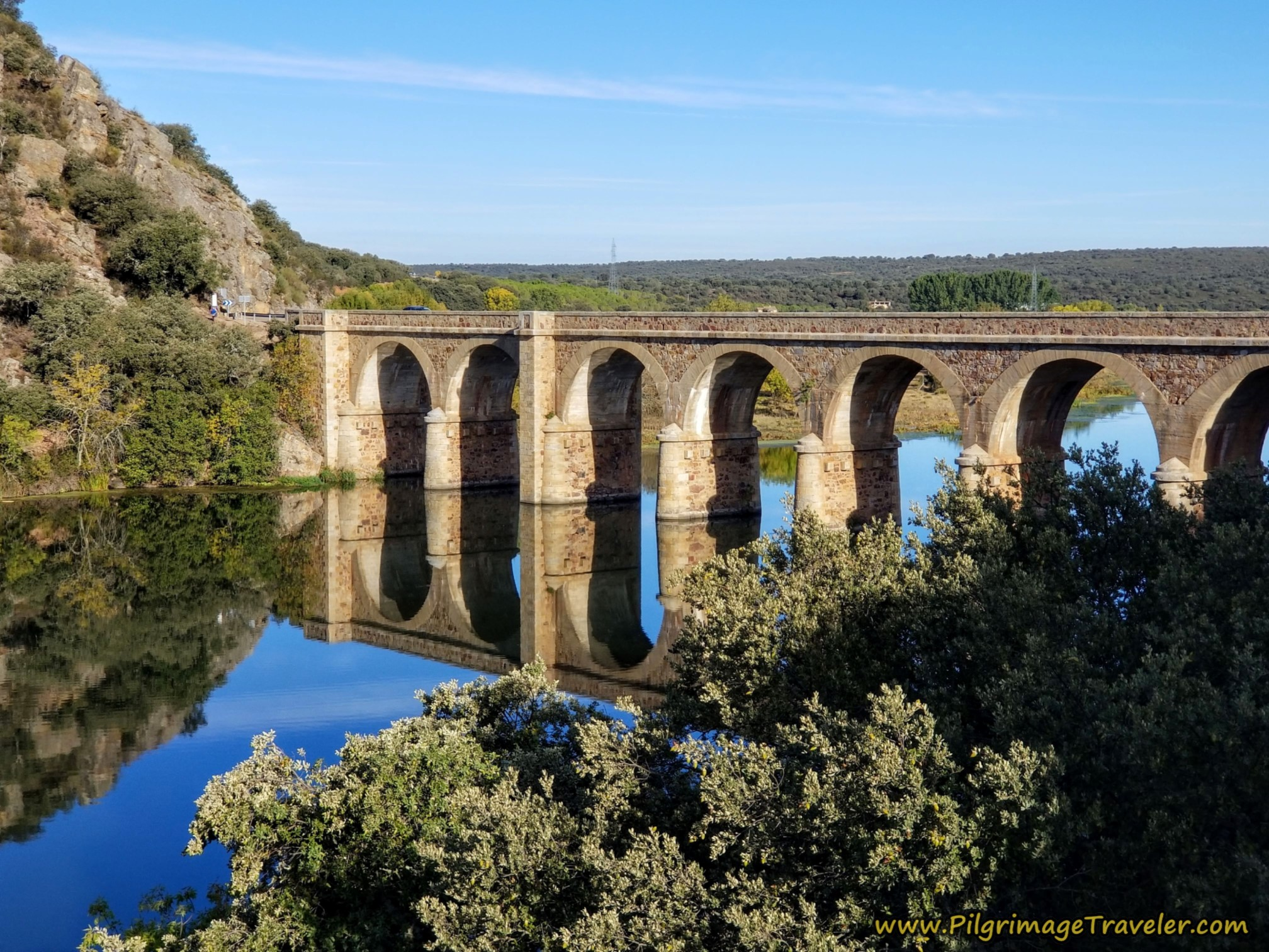 Cross the Río Esla on this Bridge