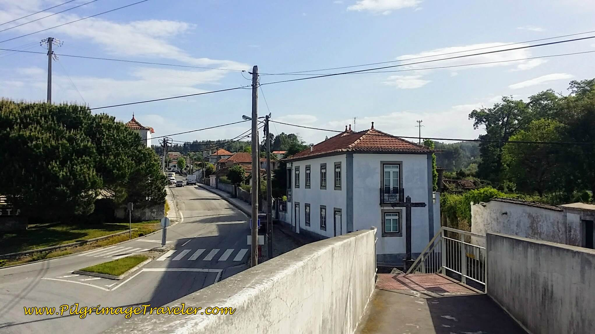 Towards the Rua do Pinheiro on the Portuguese Way