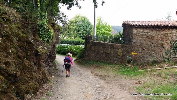 Around the bend into a Rúa, along the French Way