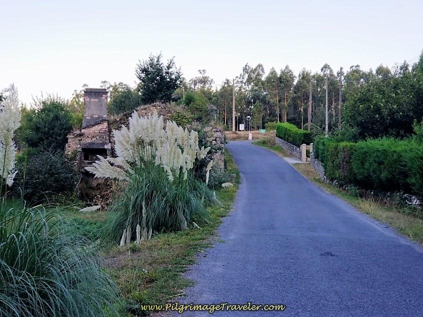 Right Turn at 17.9 Kilometer Marker Ahead in Trasufre