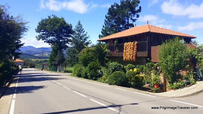 Horreo Near Villaluz, on the Camino Primitivo