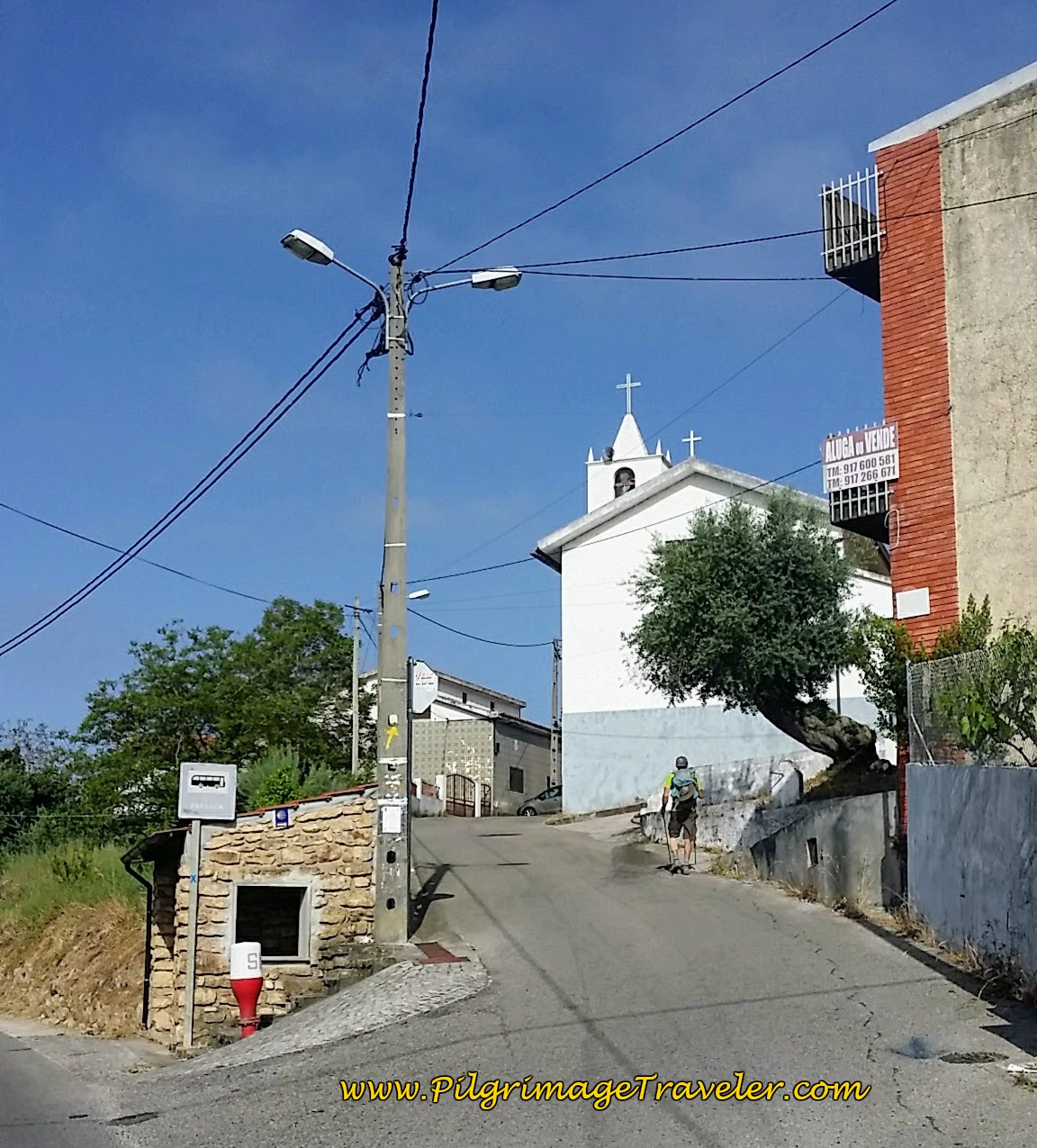 Right Turn Up Hill in Palheira, Portuguese Camino
