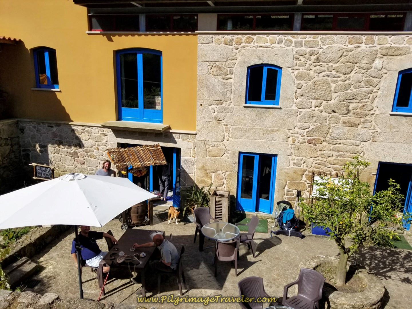 Café and Quinta Estrada Romana on day nineteen on the Central Route of the Portuguese Camino