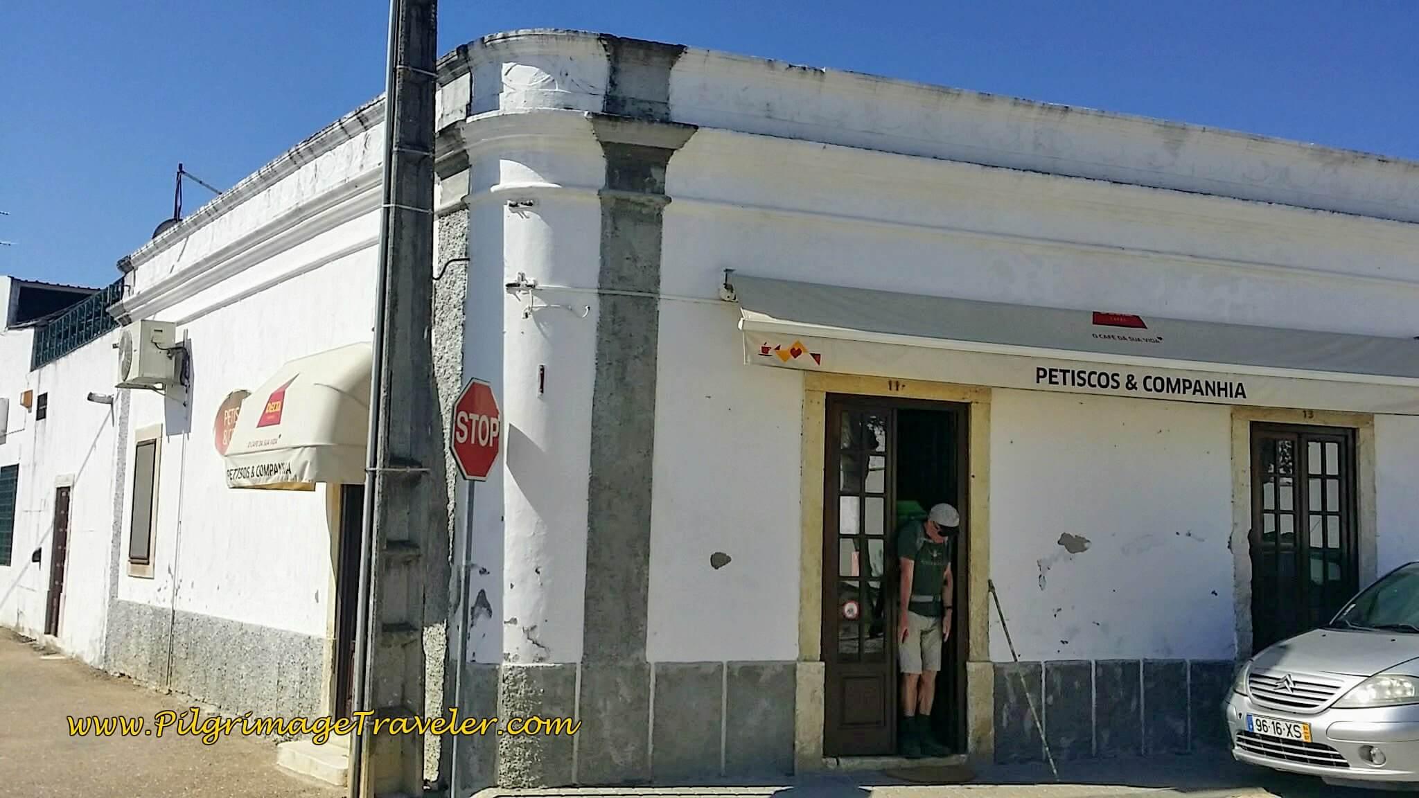 Café Petiscos and Companhia
