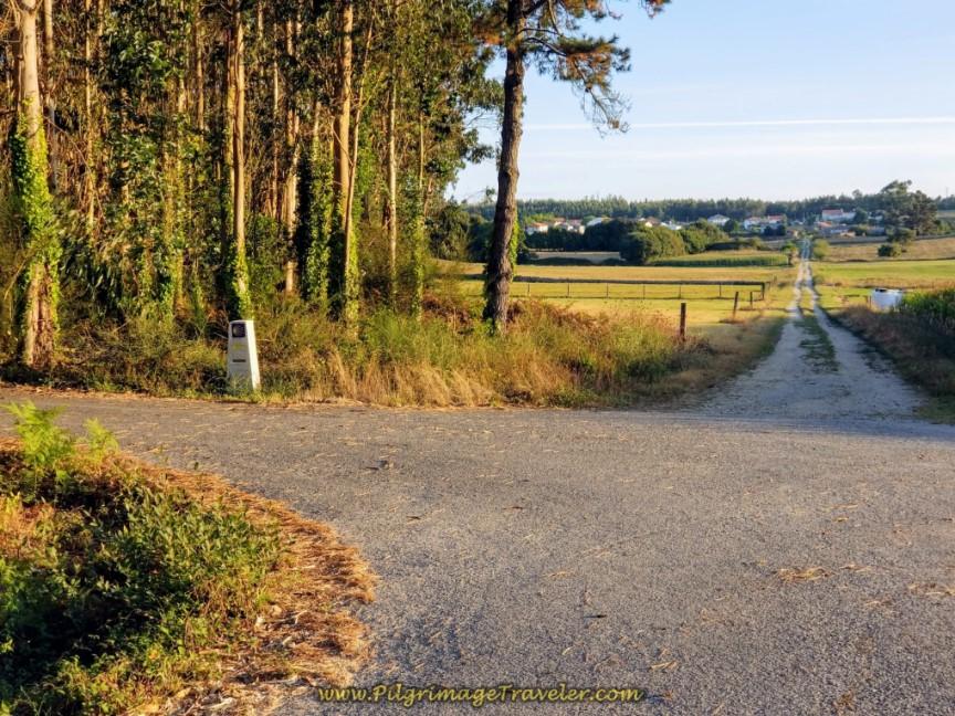 Left Turn at 17.4 Kilometer Waymark