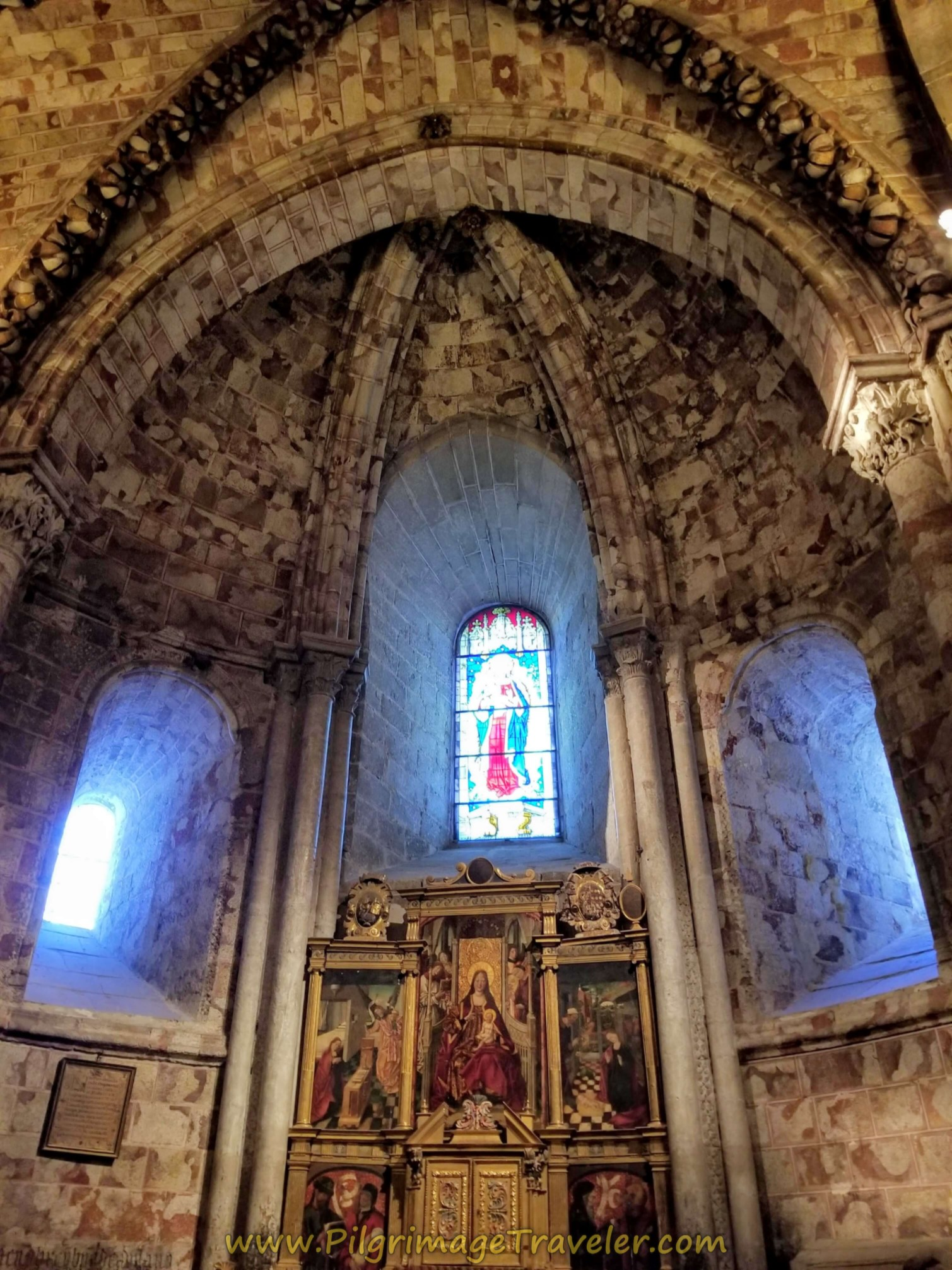 Stained glass windows in a side chapel, in the ambulatory of the Catedral de Ávila