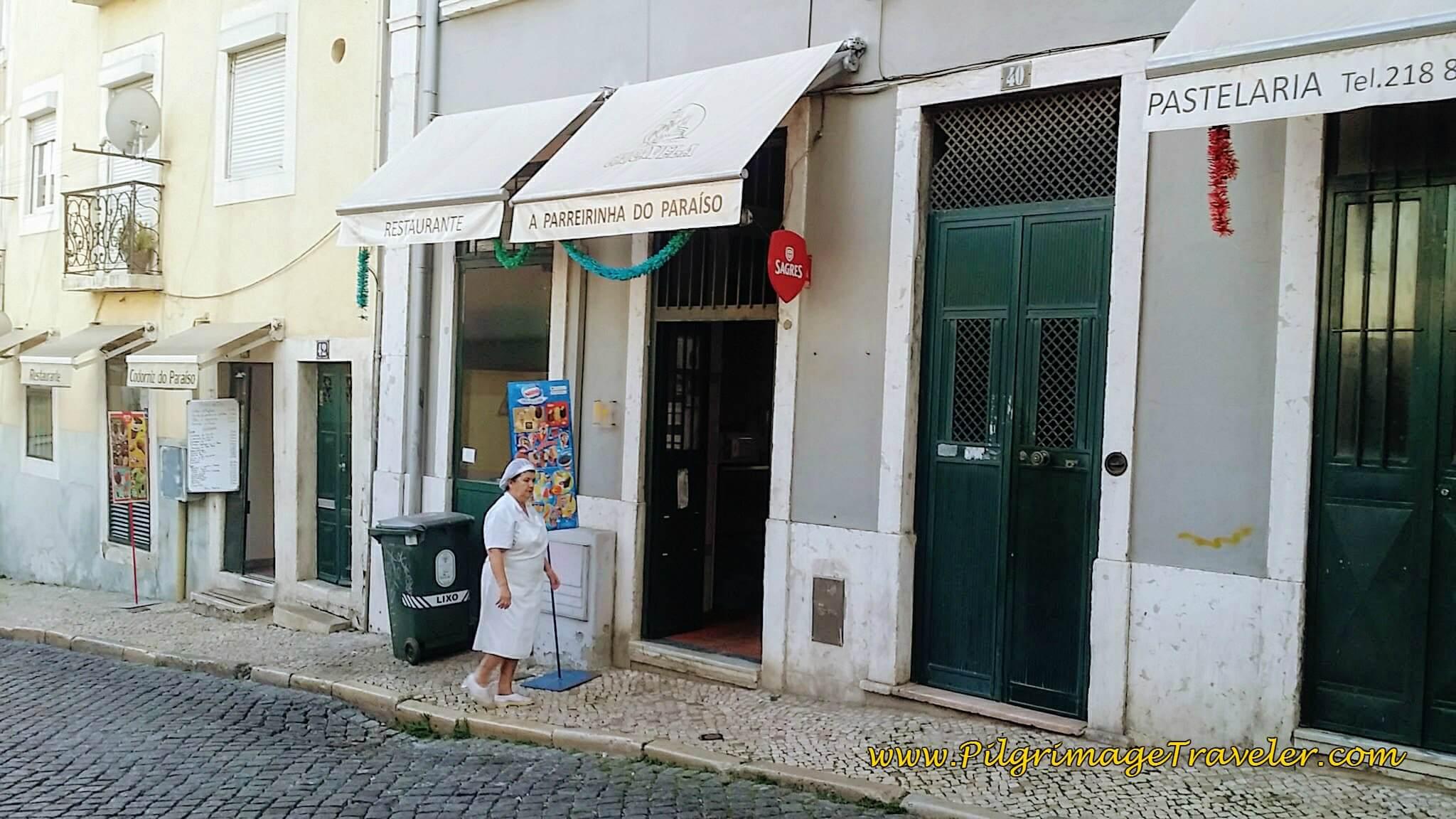 Pastelaria along the Rua do Paraíso
