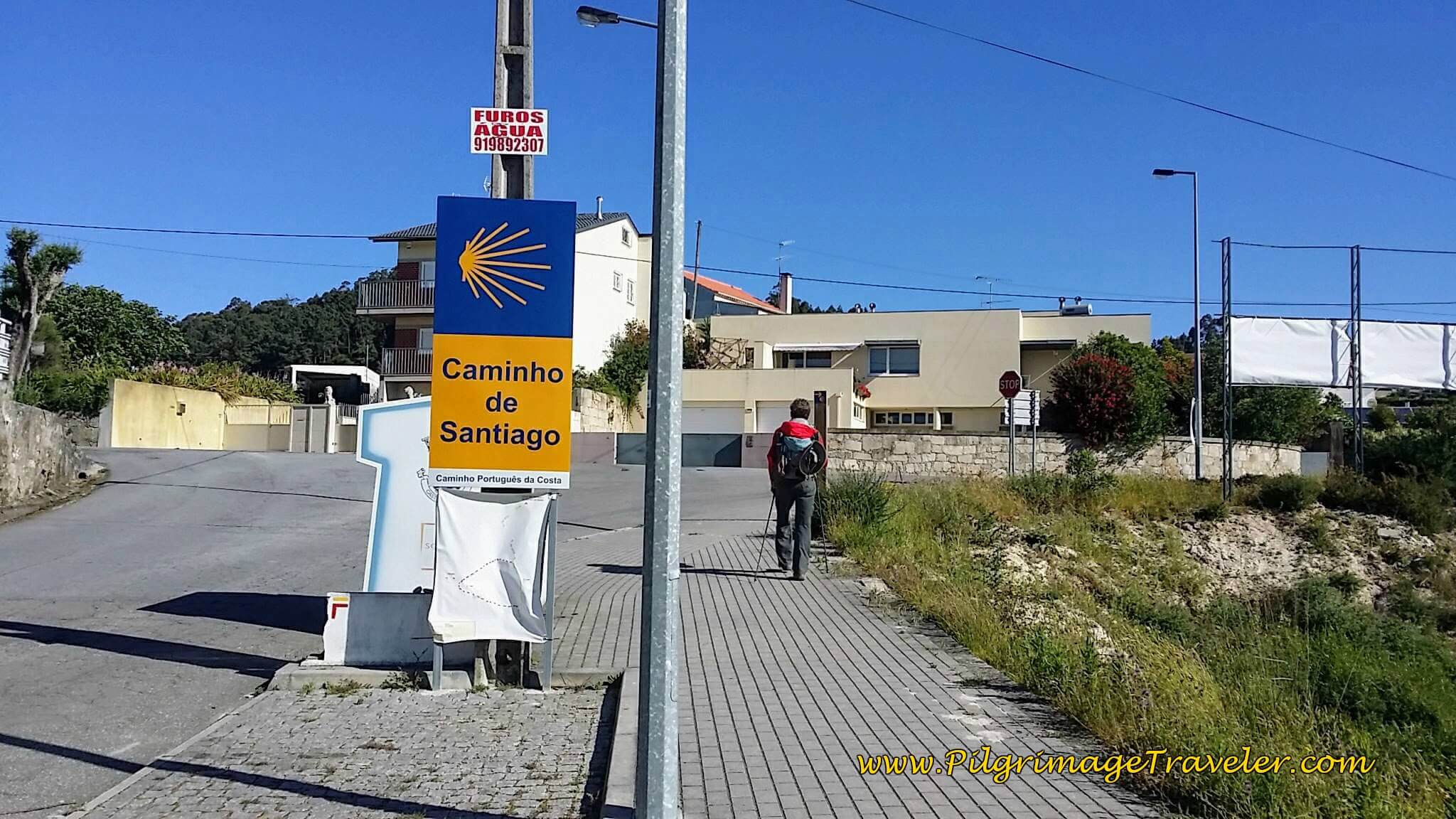 Turn Right Here at End of Avenida de Moldes on day Seventeen of the Camino Portugués