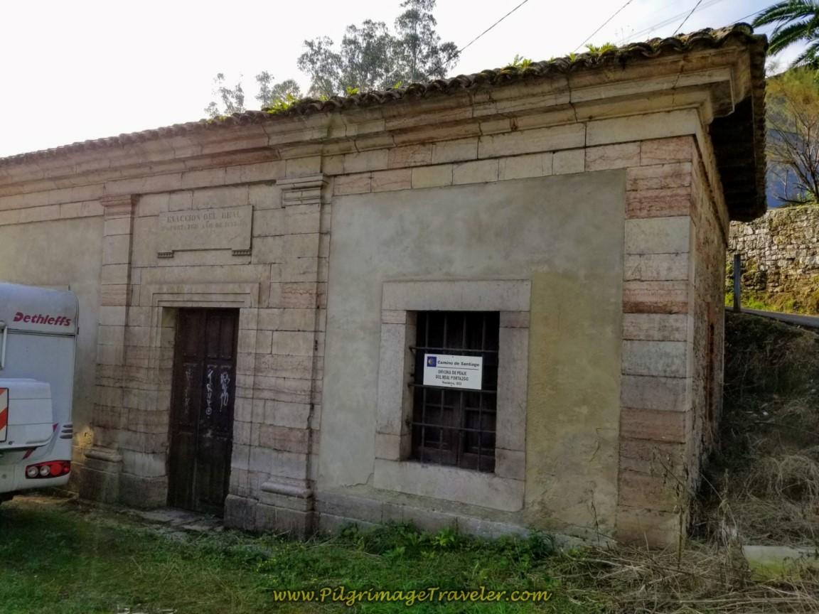 Oficina de Peaje del Real Portazgo on day six of the Camino de San Salvador