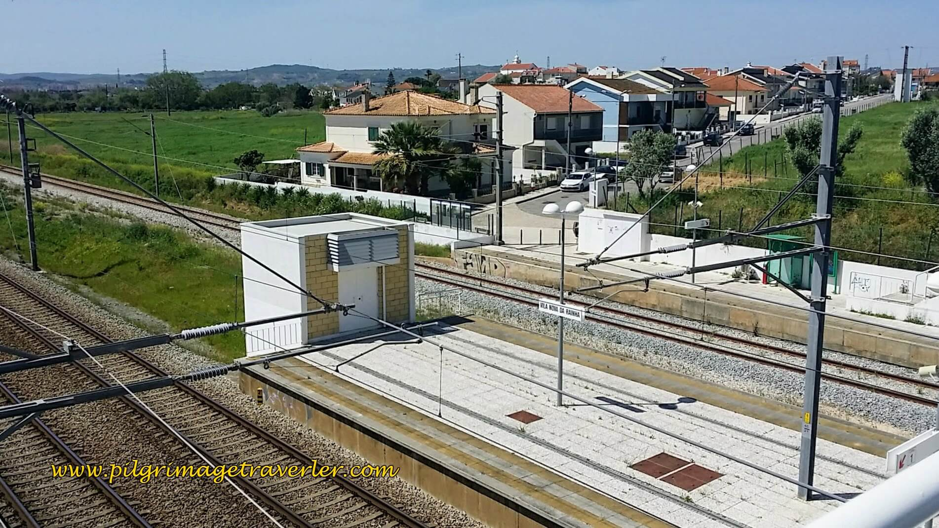 Up and Over the Train Tracks, Once Again in Vila Nova da Rainha, Camino Portugués