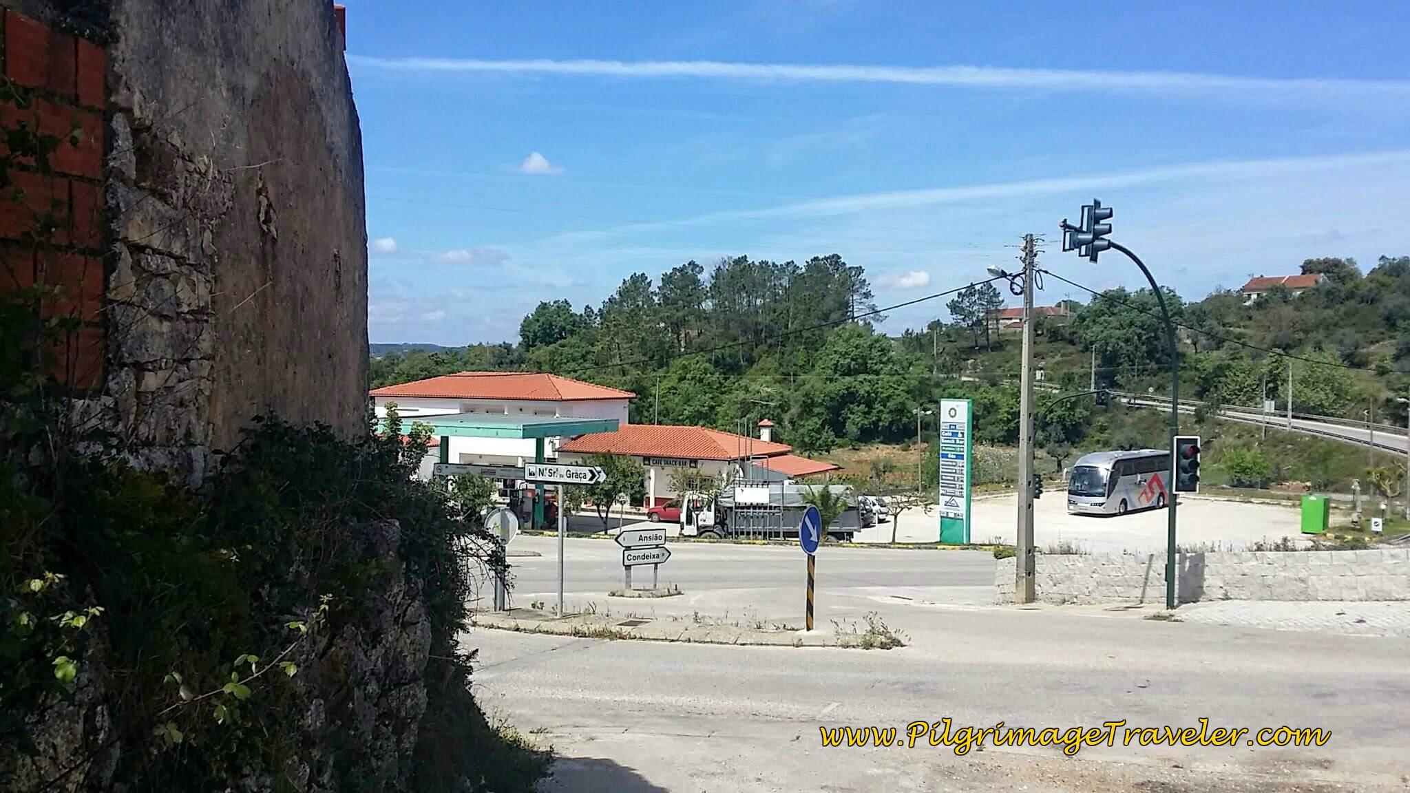 Gas Station, the Venda Brasil, in Casais da Granja on day seven on the Camino Portugués