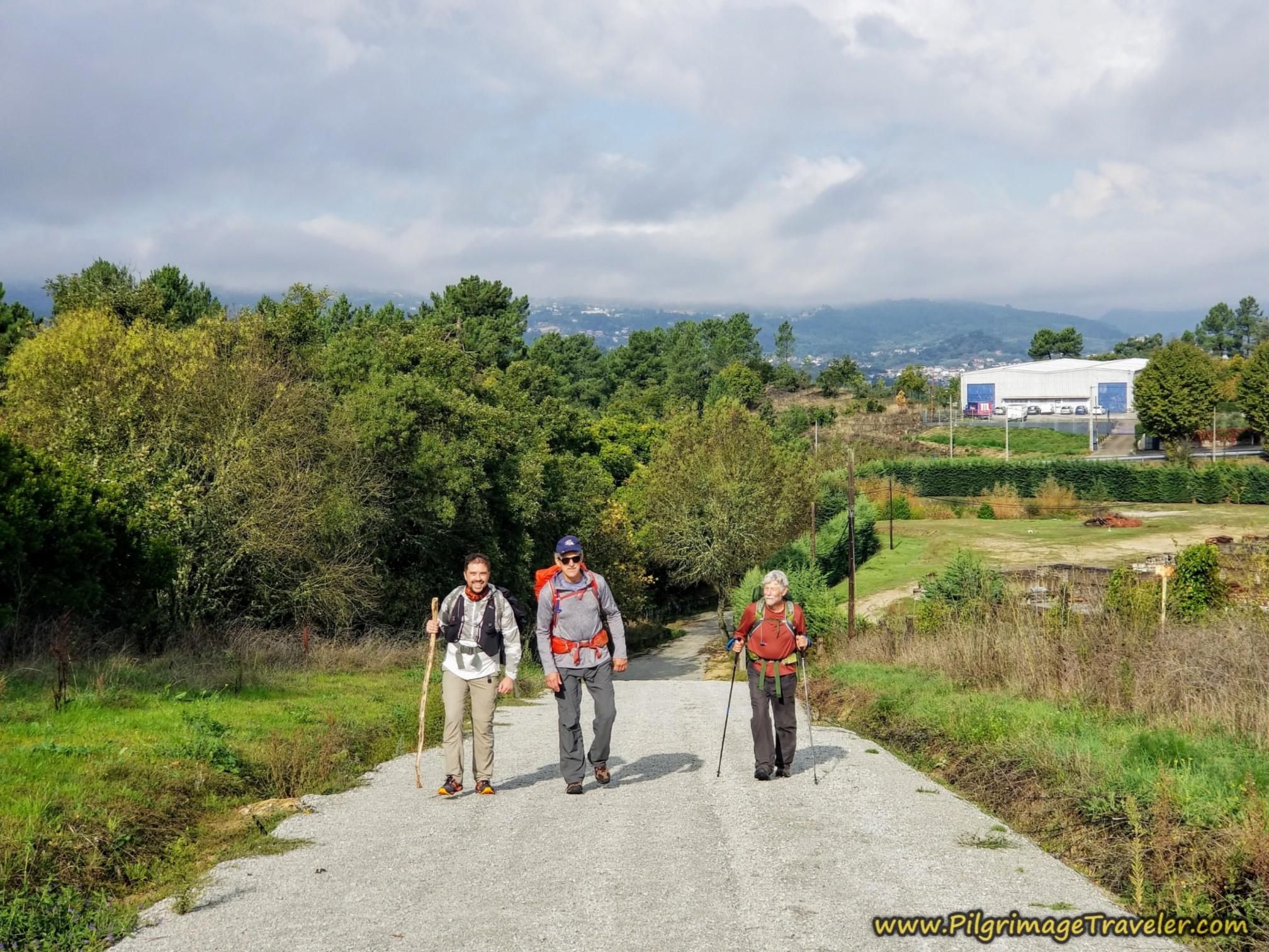 The Three Amigos, pilgrims on the way to Ourense, Camino Sanabrés, Xunqueira de Ambía to Ourense