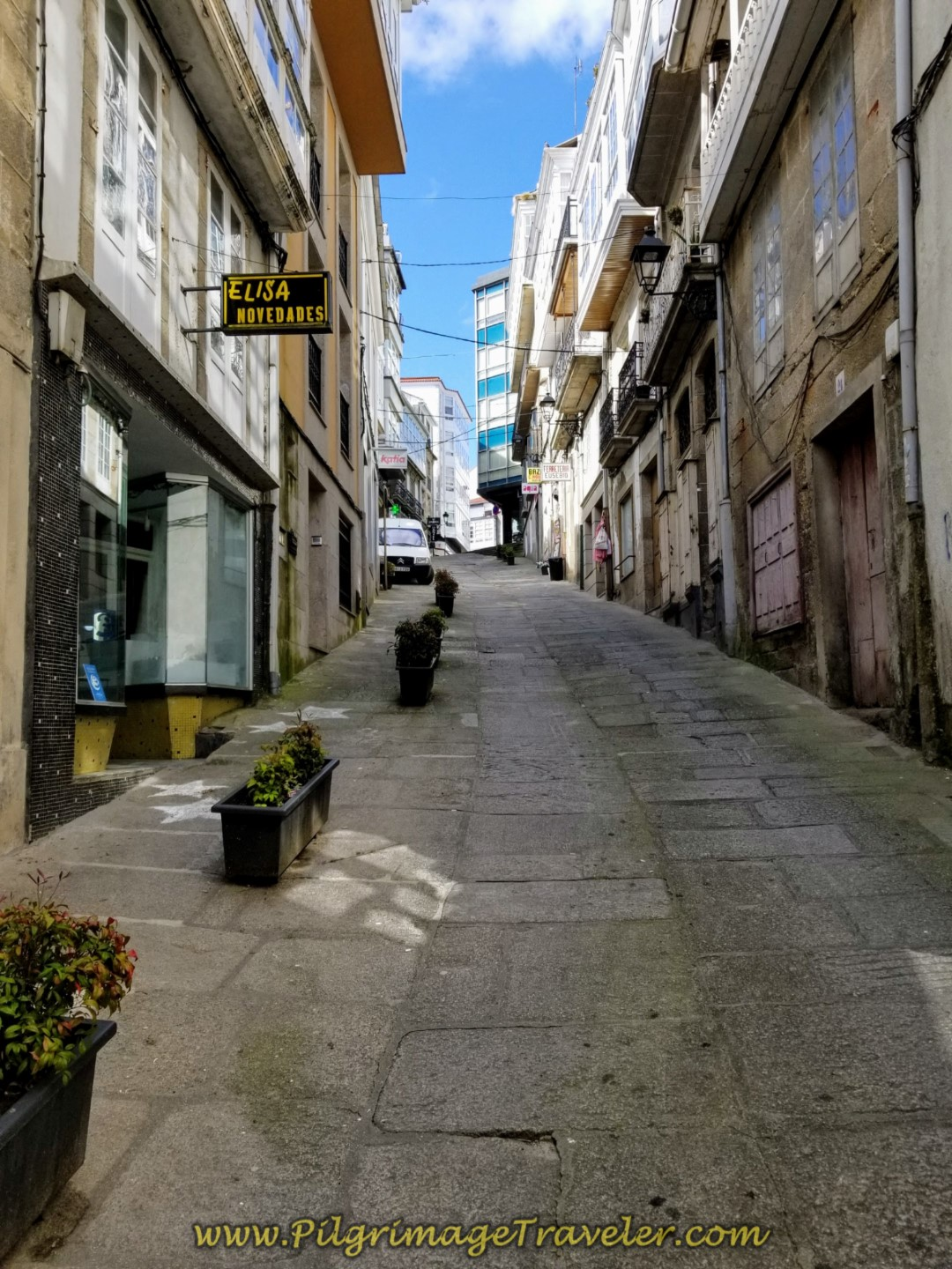 Walk Uphill on the Rúa Prateiros in Betanzos on day four of the English Way