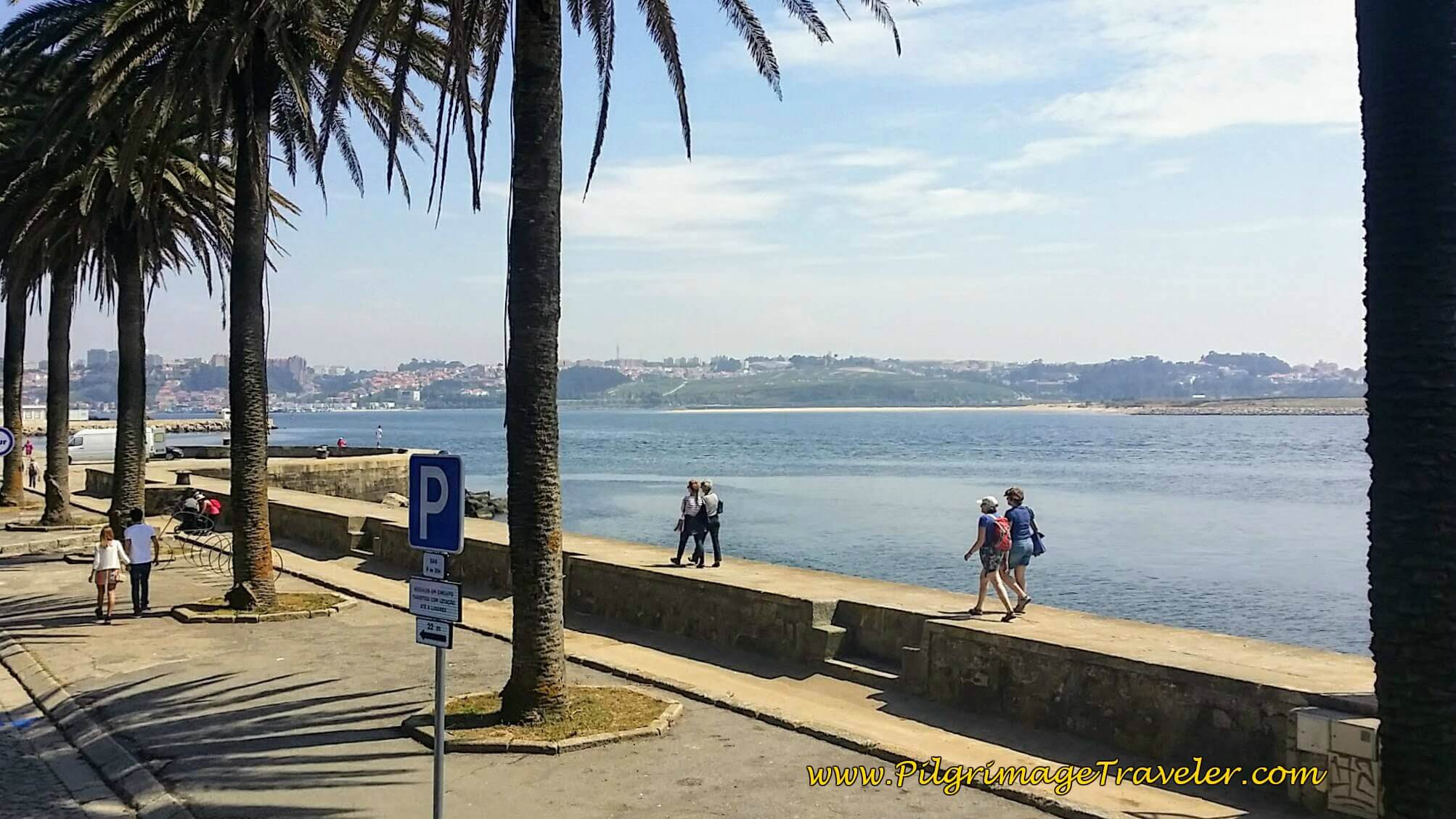 Rio Douro Promenade Towards Porto Center
