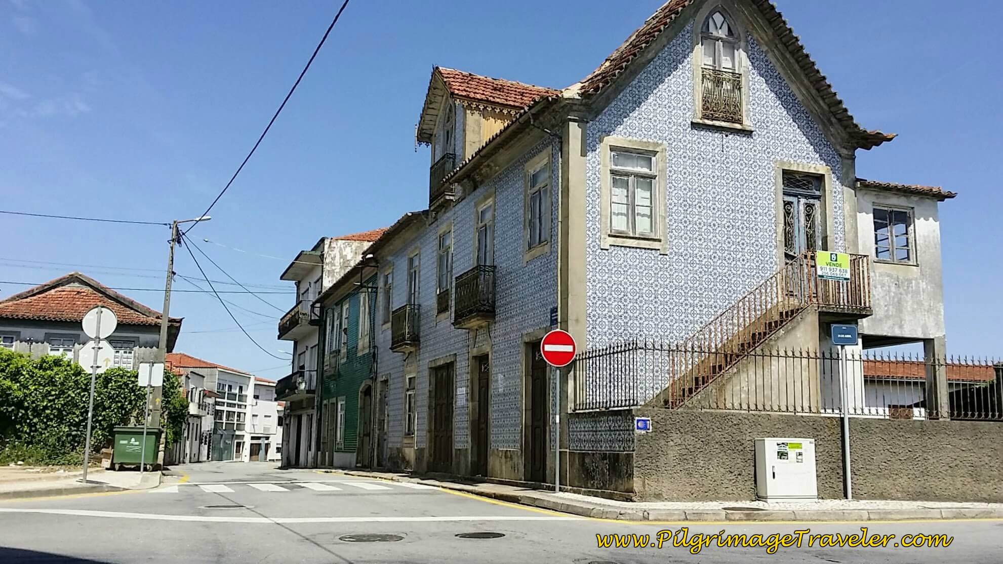 Straight on at thsi Azulejo-tiled  Building on Rua Antonio Pinto de Carvalho on day thirteen of the Camino Portugués