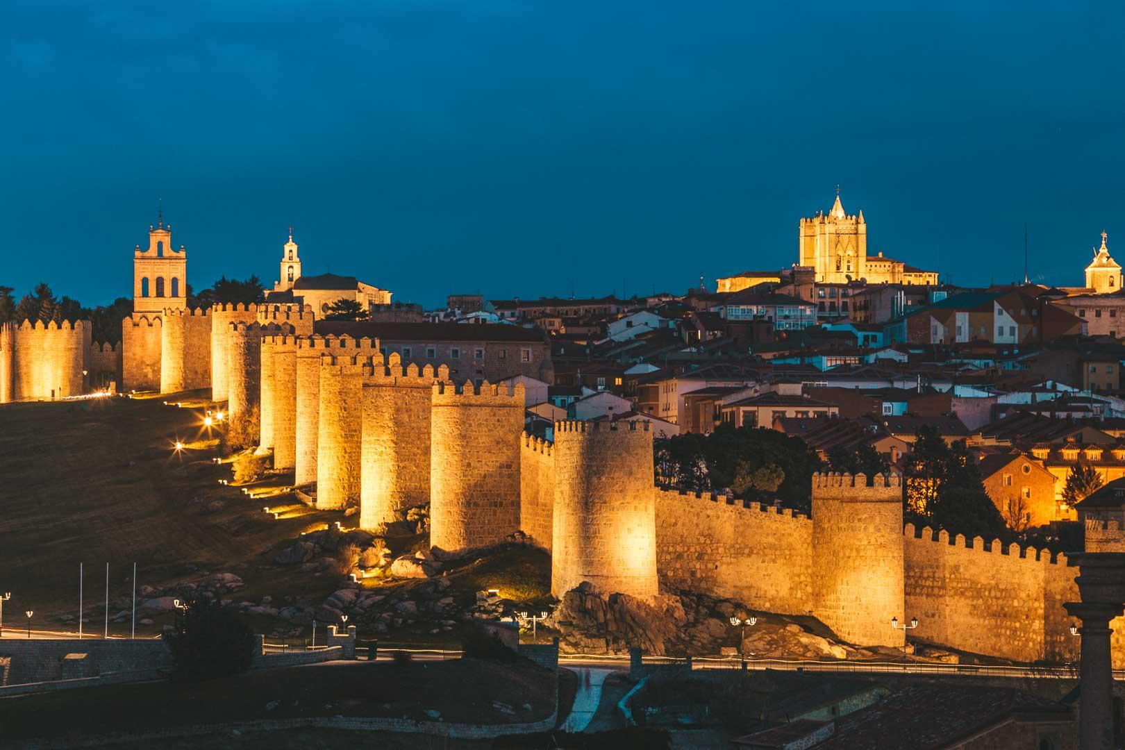 Ávila at Night