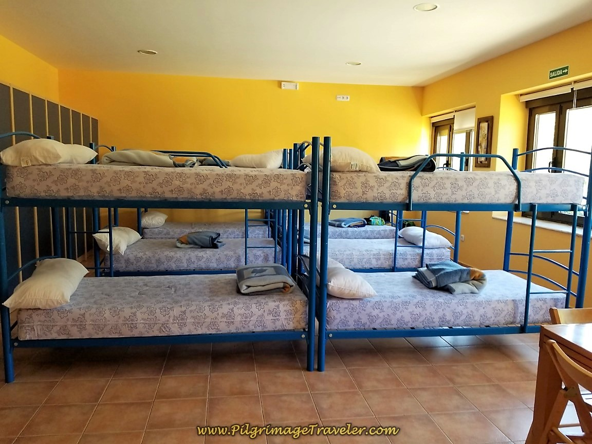 Clean and Friendly Albergue with 12 Beds