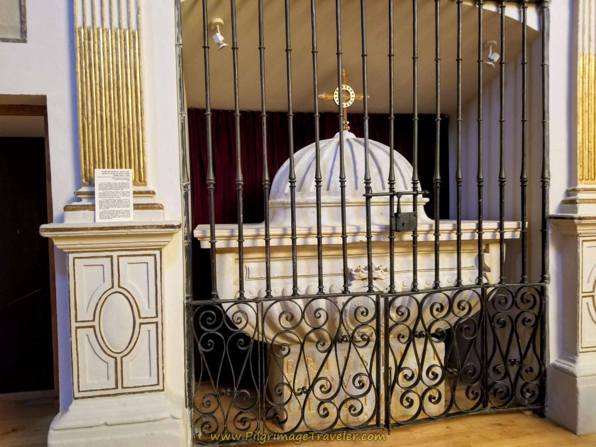 Prior Tomb of St. Teresa, 1615-1760, Alba de Tormes