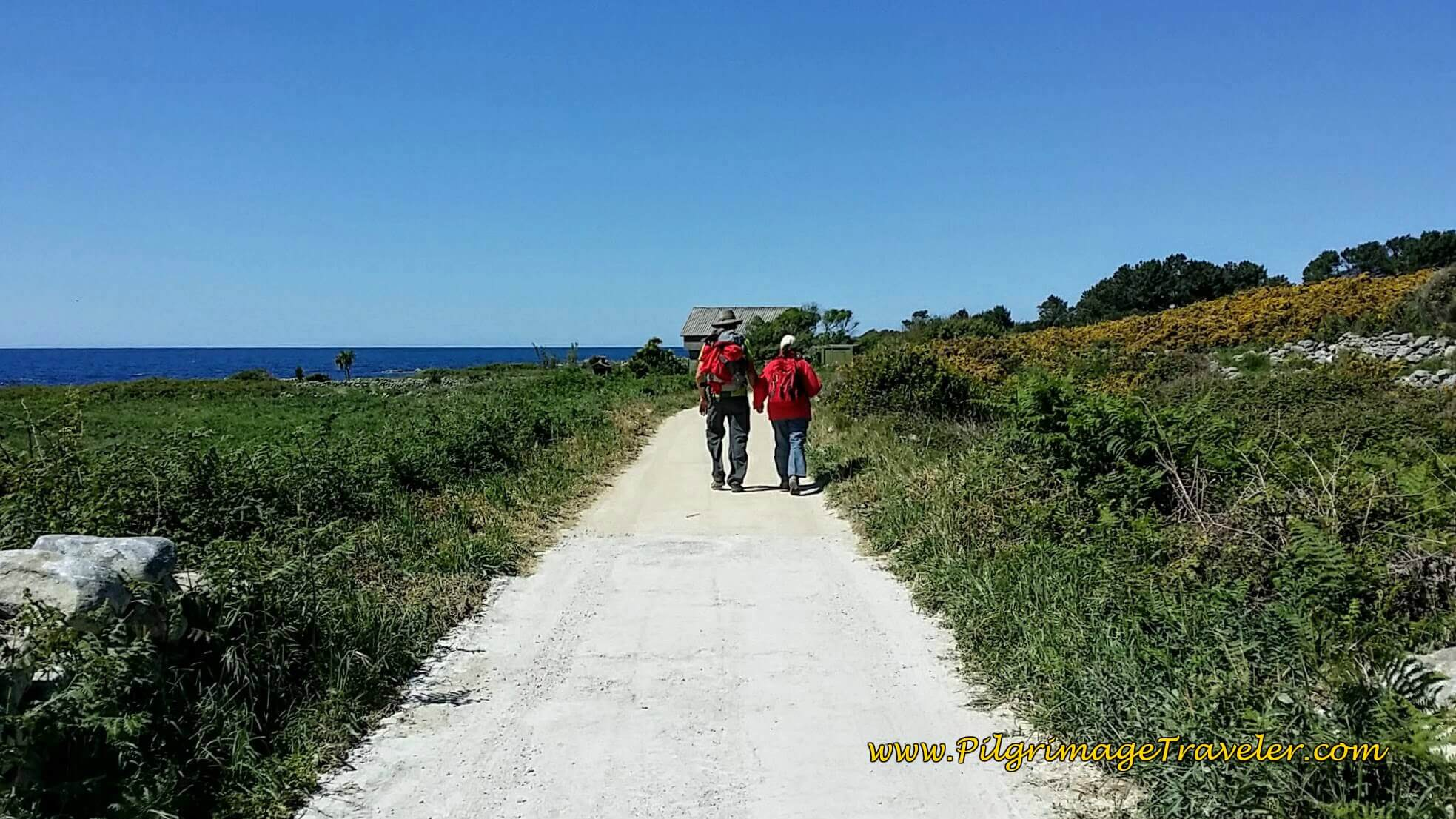 Long Seacoast Dirt Road on day ninteen of the Portuguese Way