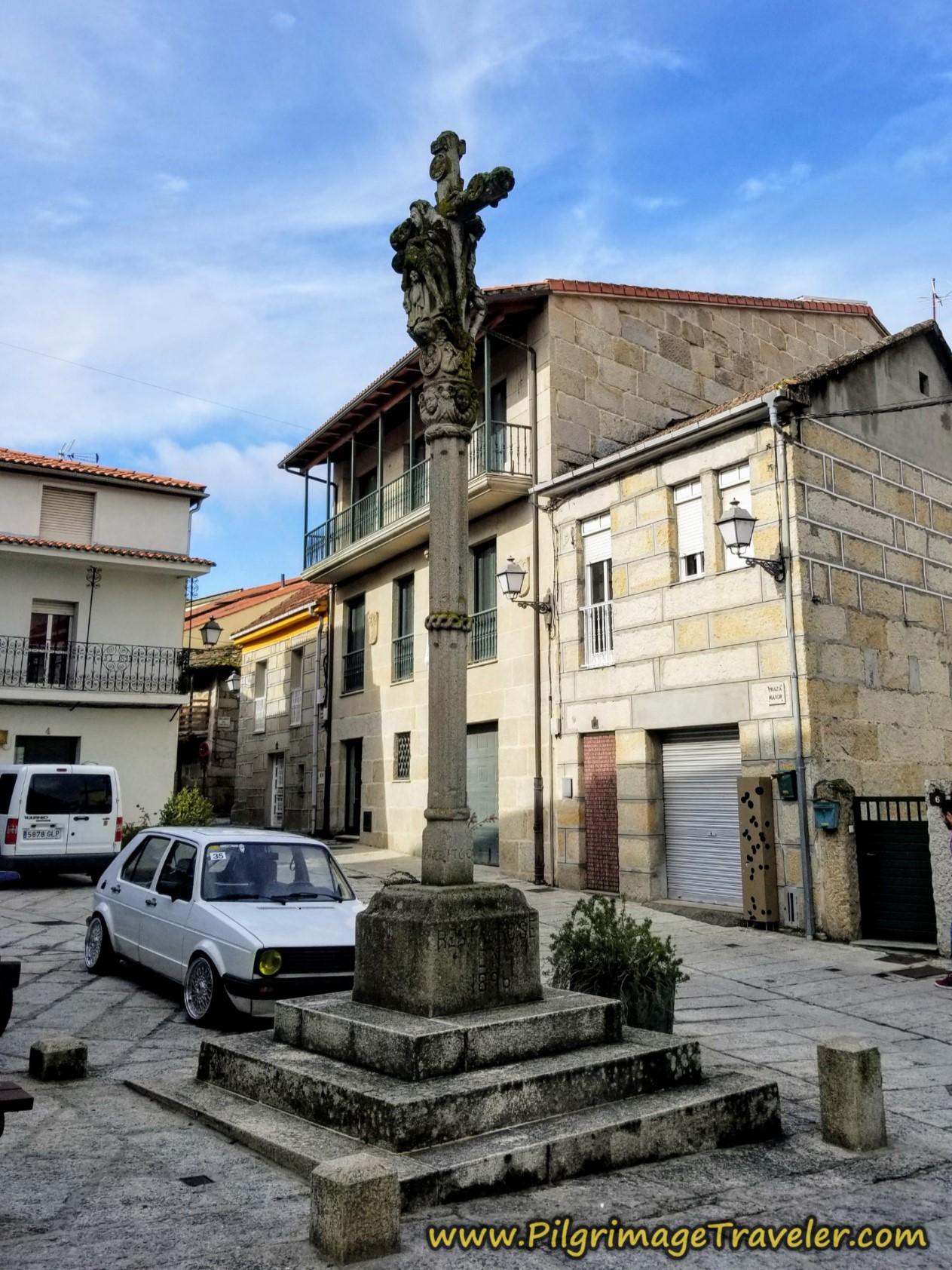 Praza Maior, Town Cross