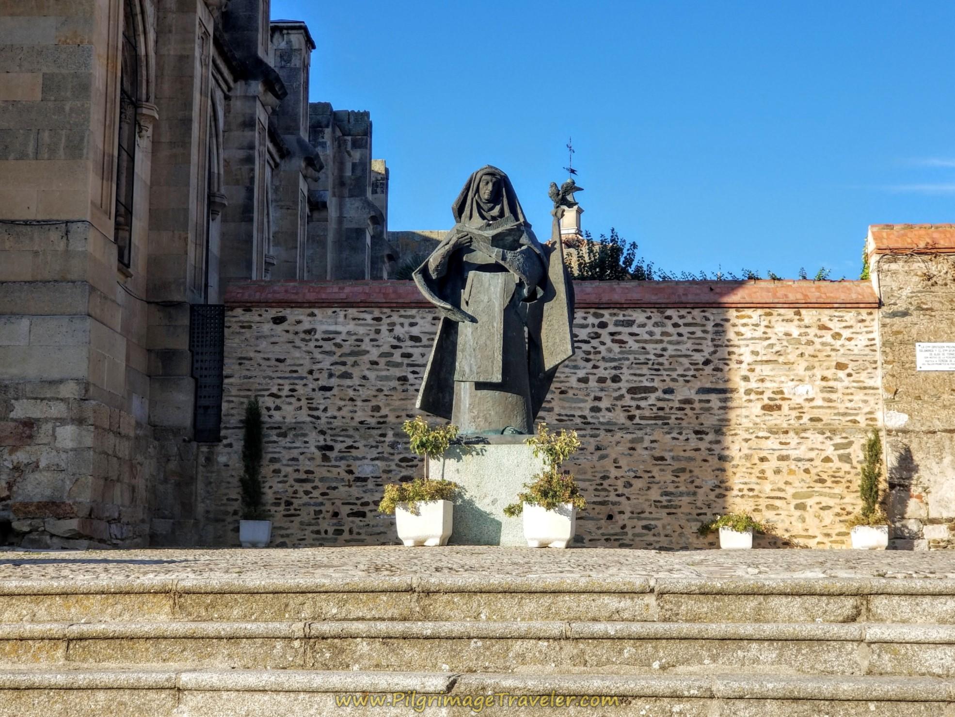 Statue, Basilica de Santa Teresa