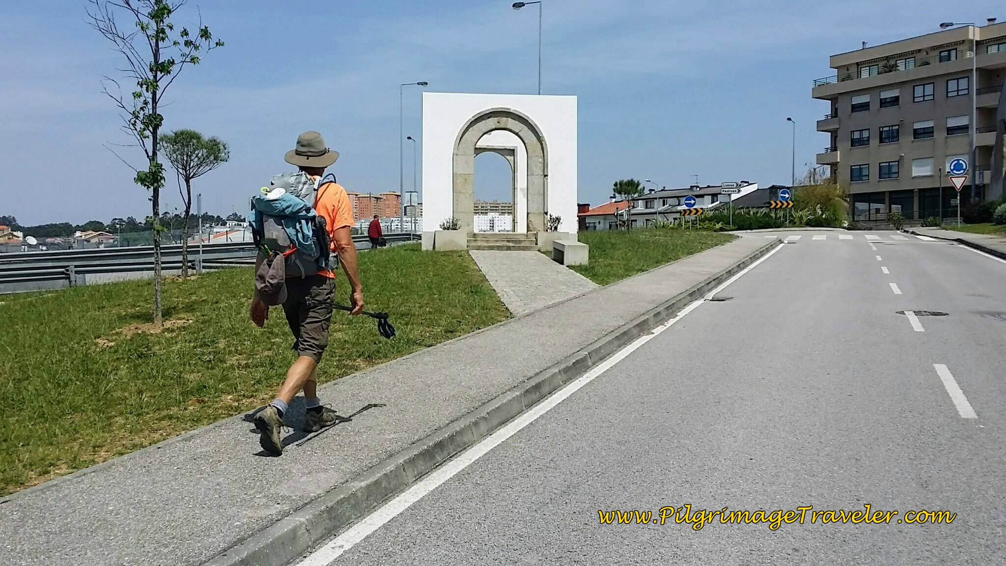 Entering the Southern Suburbs of Porto on the Rua Rio on day fourteen of the Camino Portugués