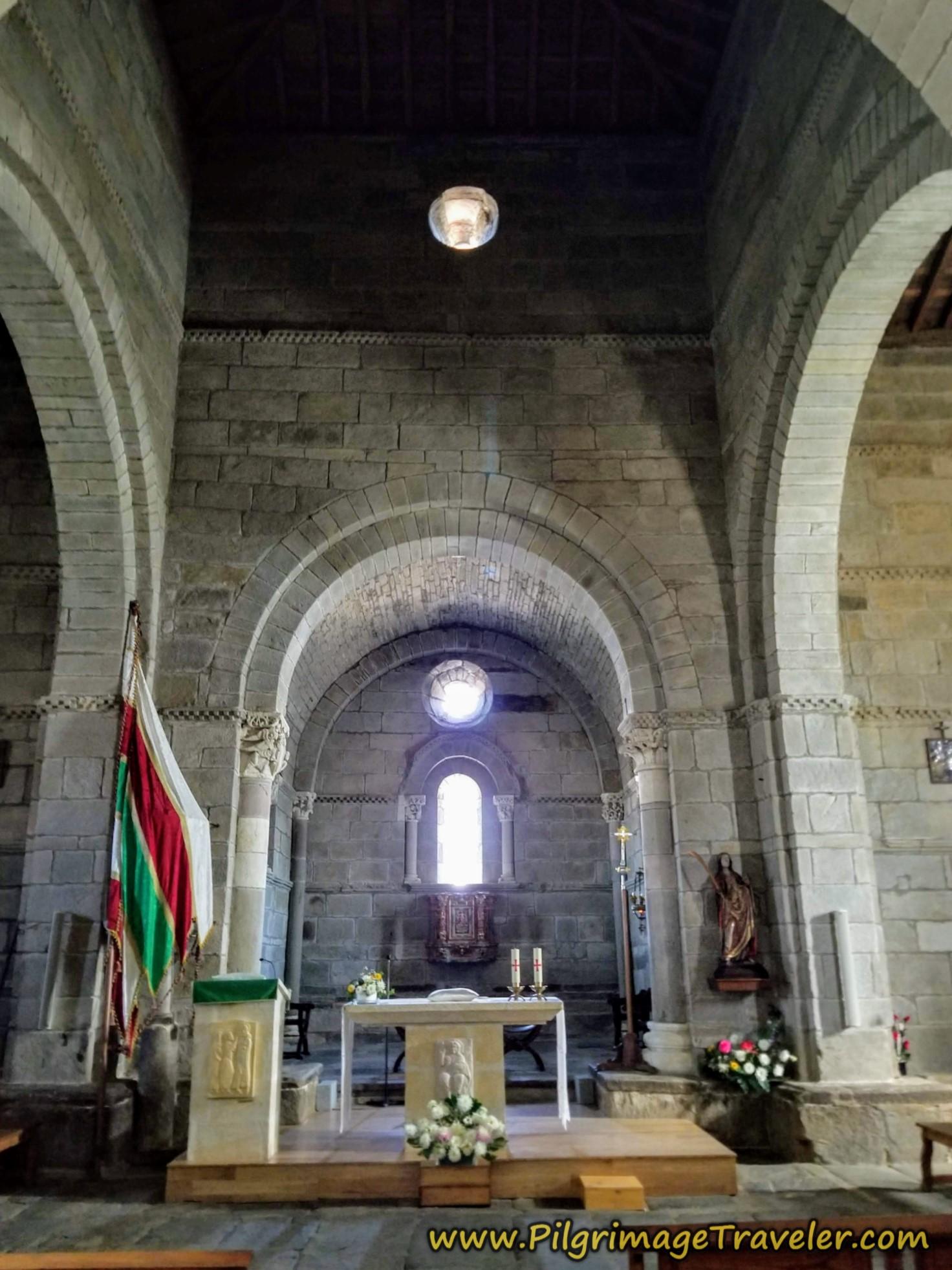 Altar of the Iglesia de Santa Marta de Tera