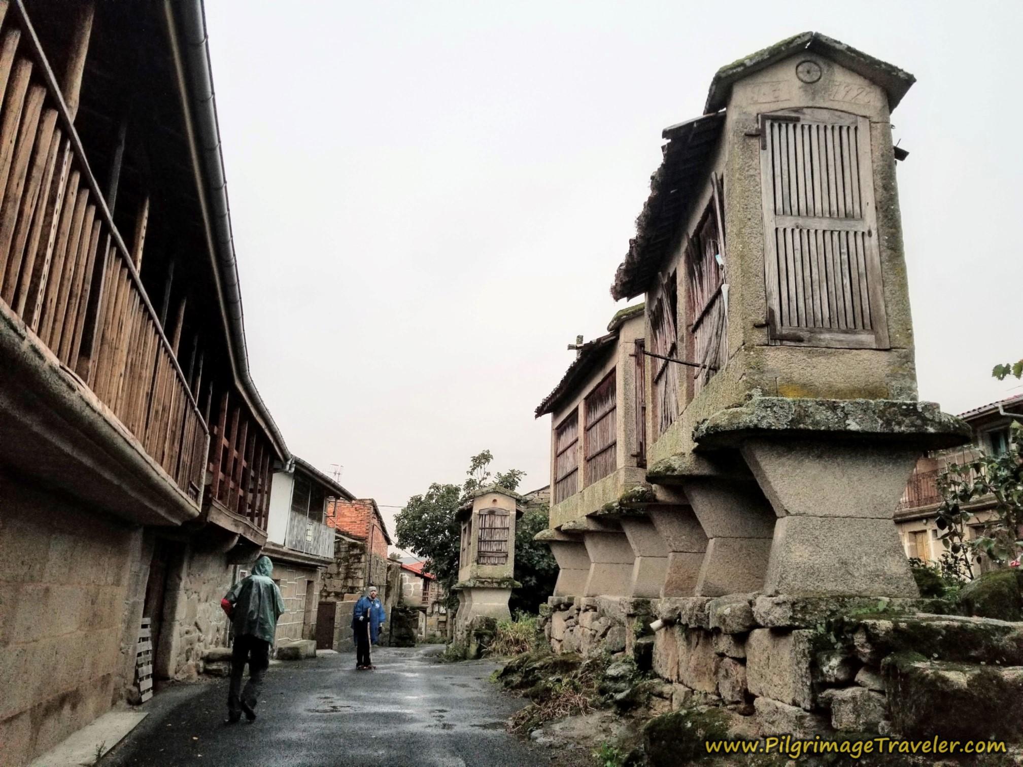 Boveda Horreos, Camino Sanabrés, Vilar de Barrio to Xunqueira de Ambía