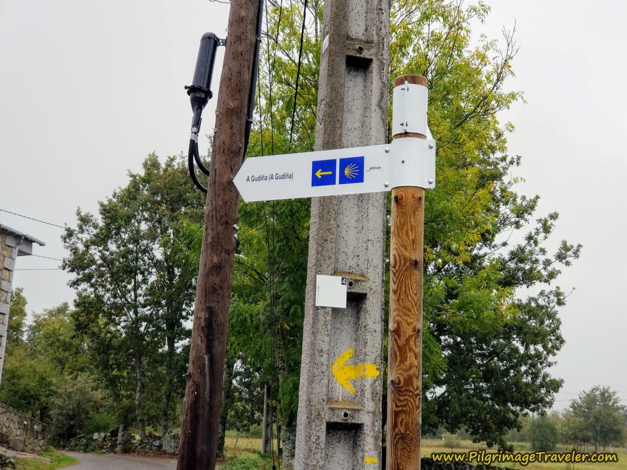 Signpost to A Gudiña