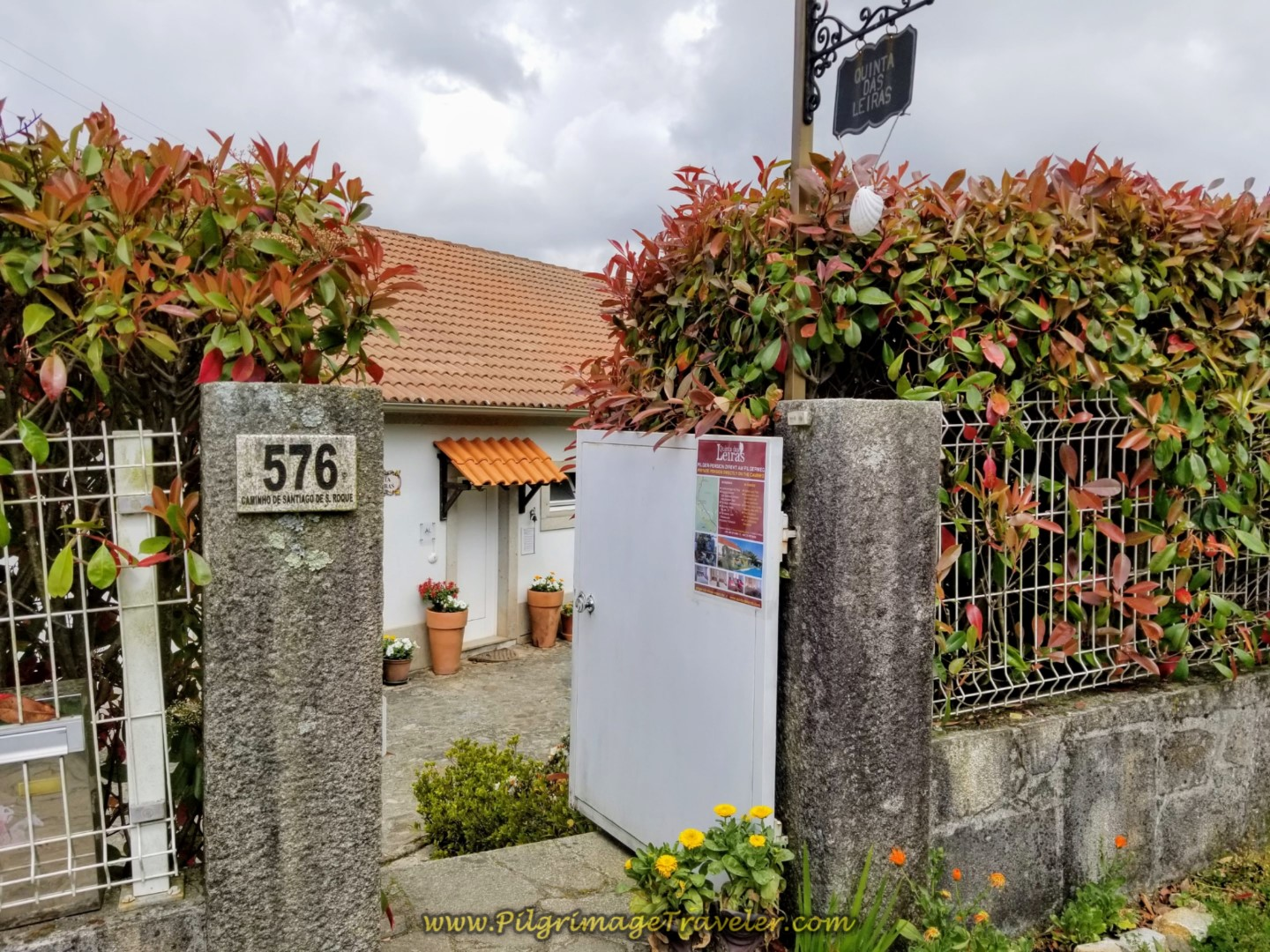 Walk by the Quinta das Leiras on day eighteen on the Central Route of the Portuguese Camino