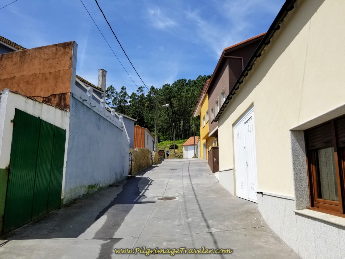 Climb Through the Back Street of Sardiñeiro
